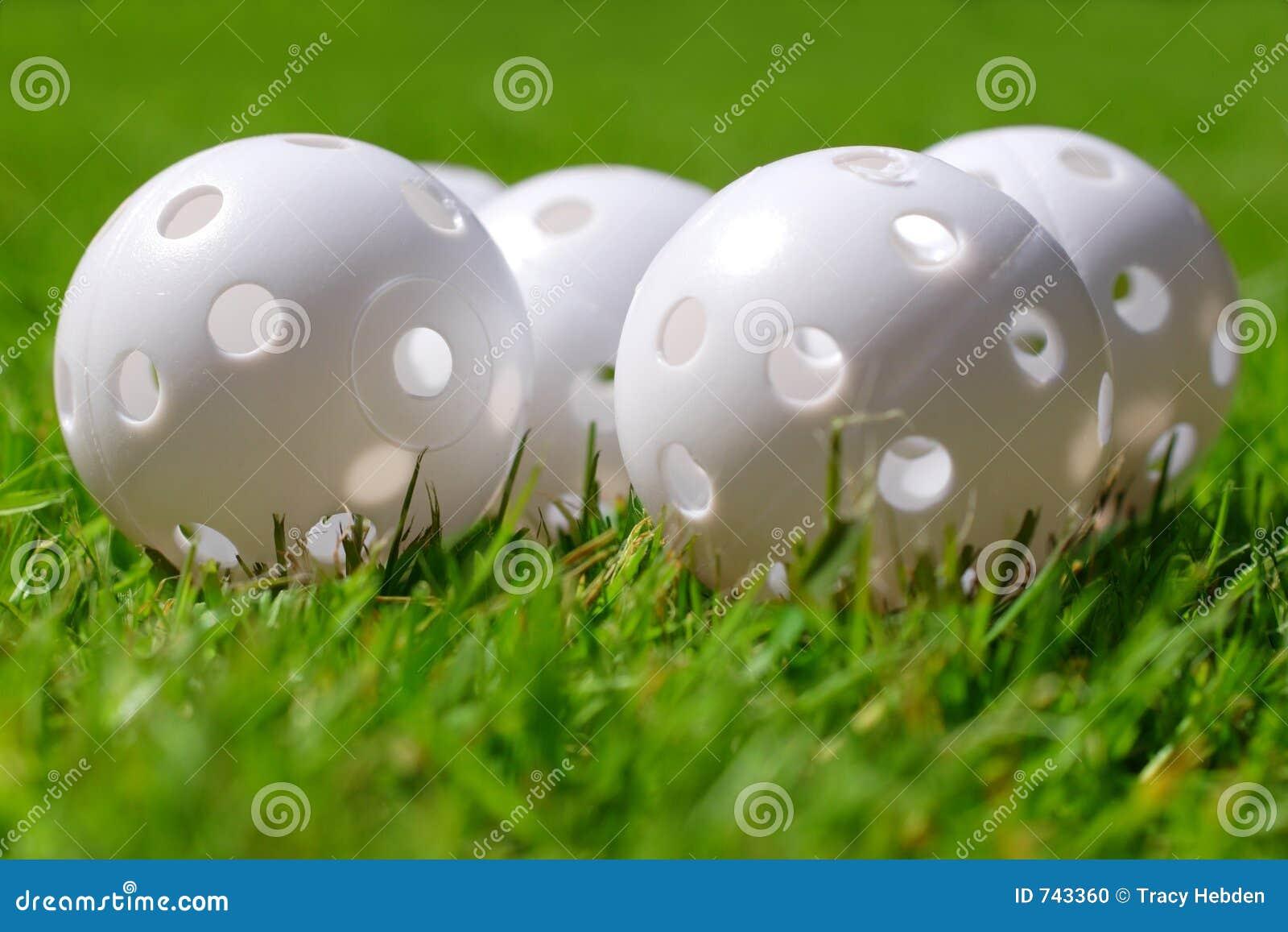 Pratiquez jouer au golf des billes