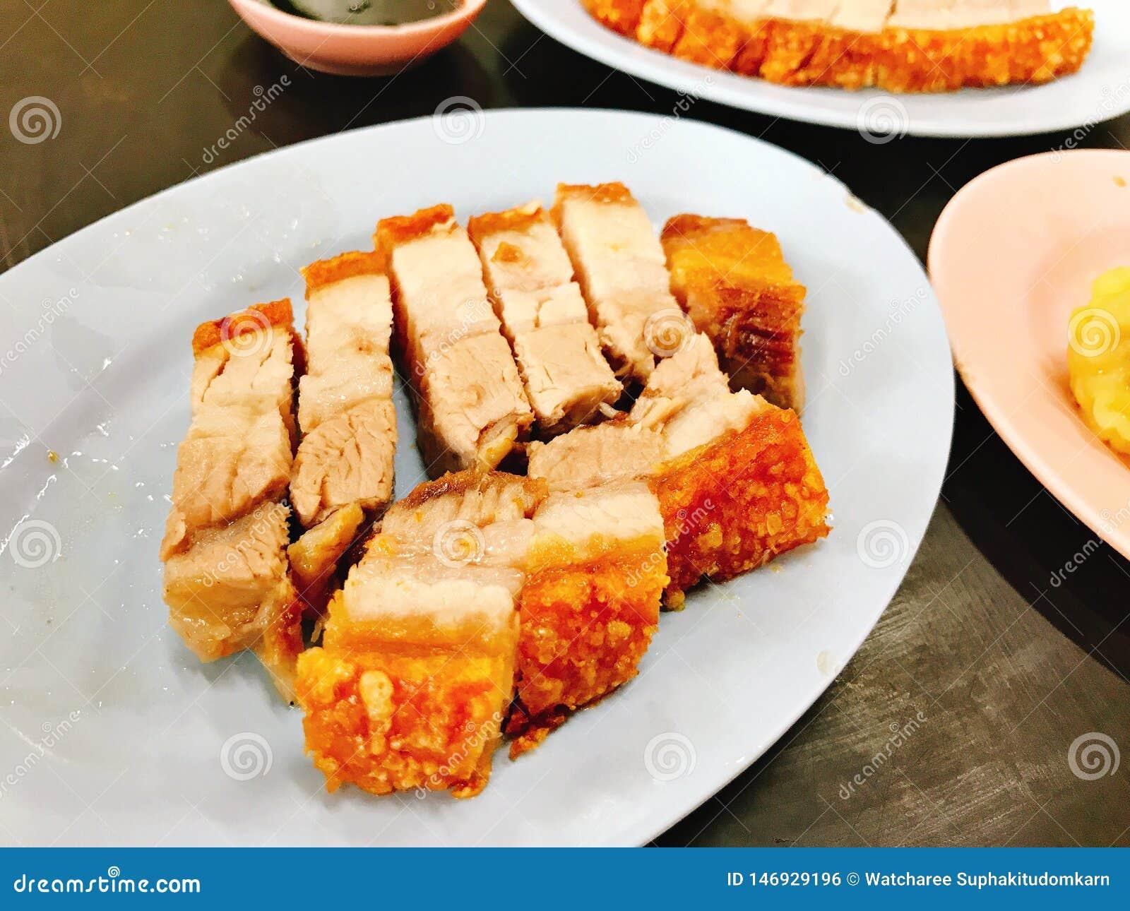 Prato da carne de porco friável saboroso