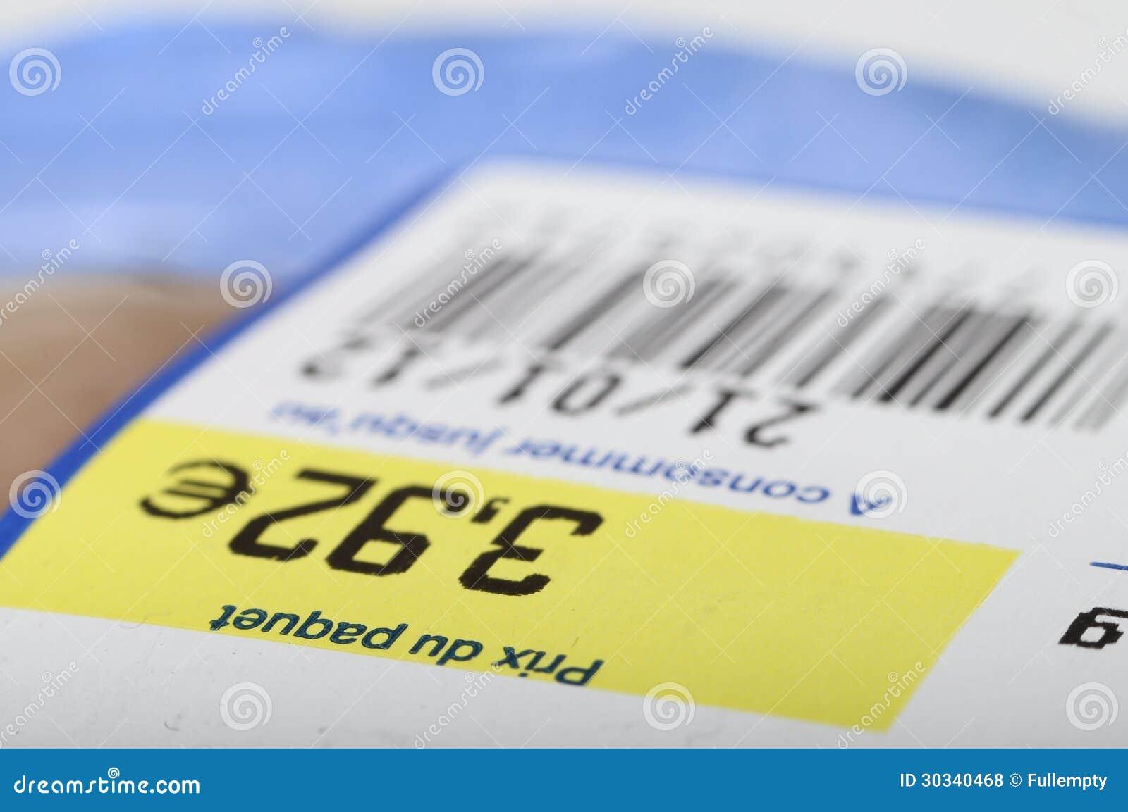 Preço, código de barras e data de validade em produtos alimentares