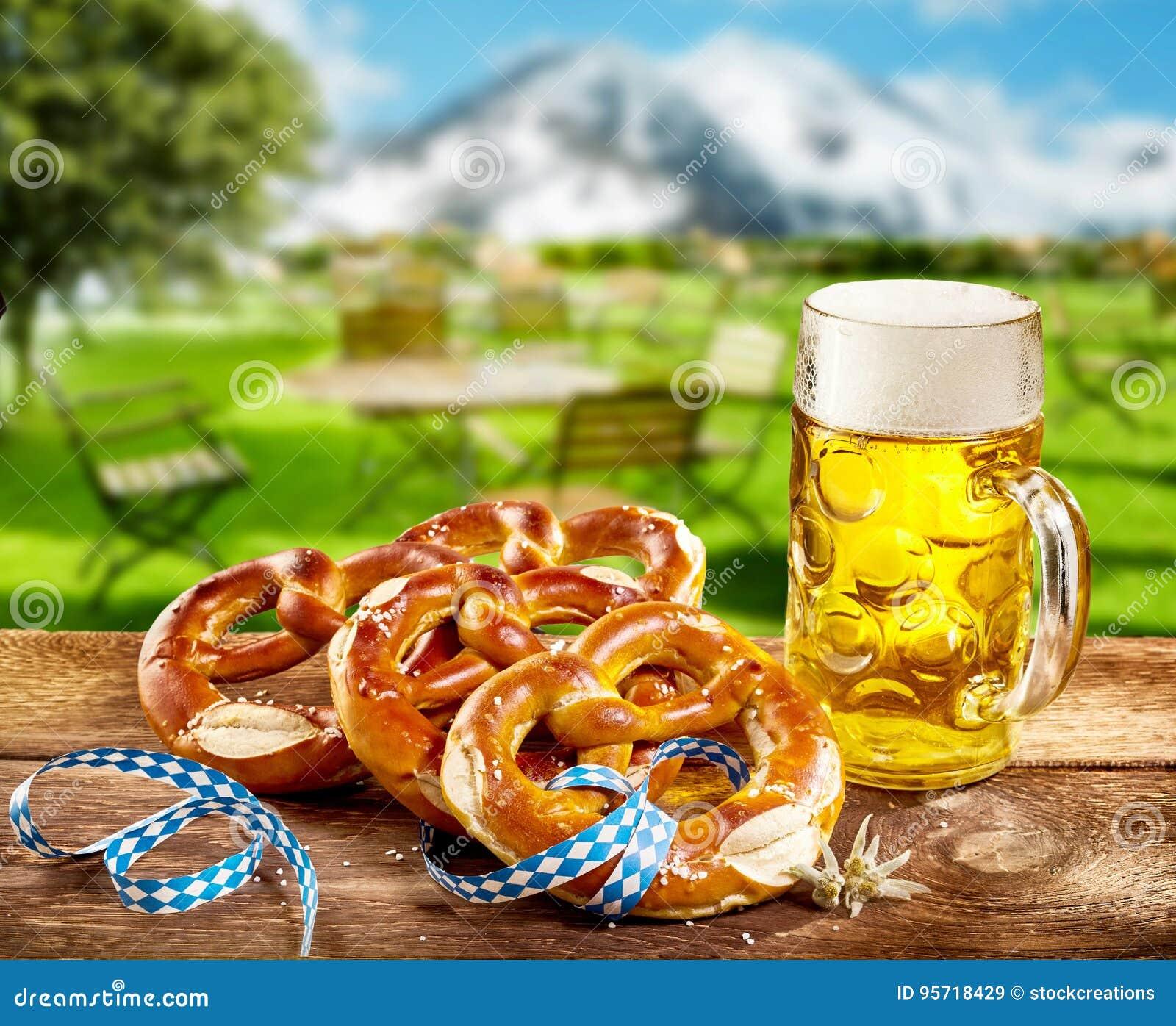 Precle i pół kwarty piwo świętować Oktoberfest