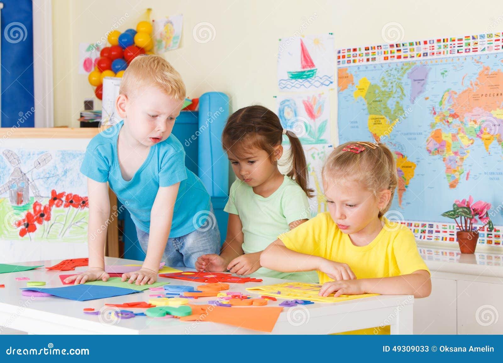 Preescolares en la sala de clase