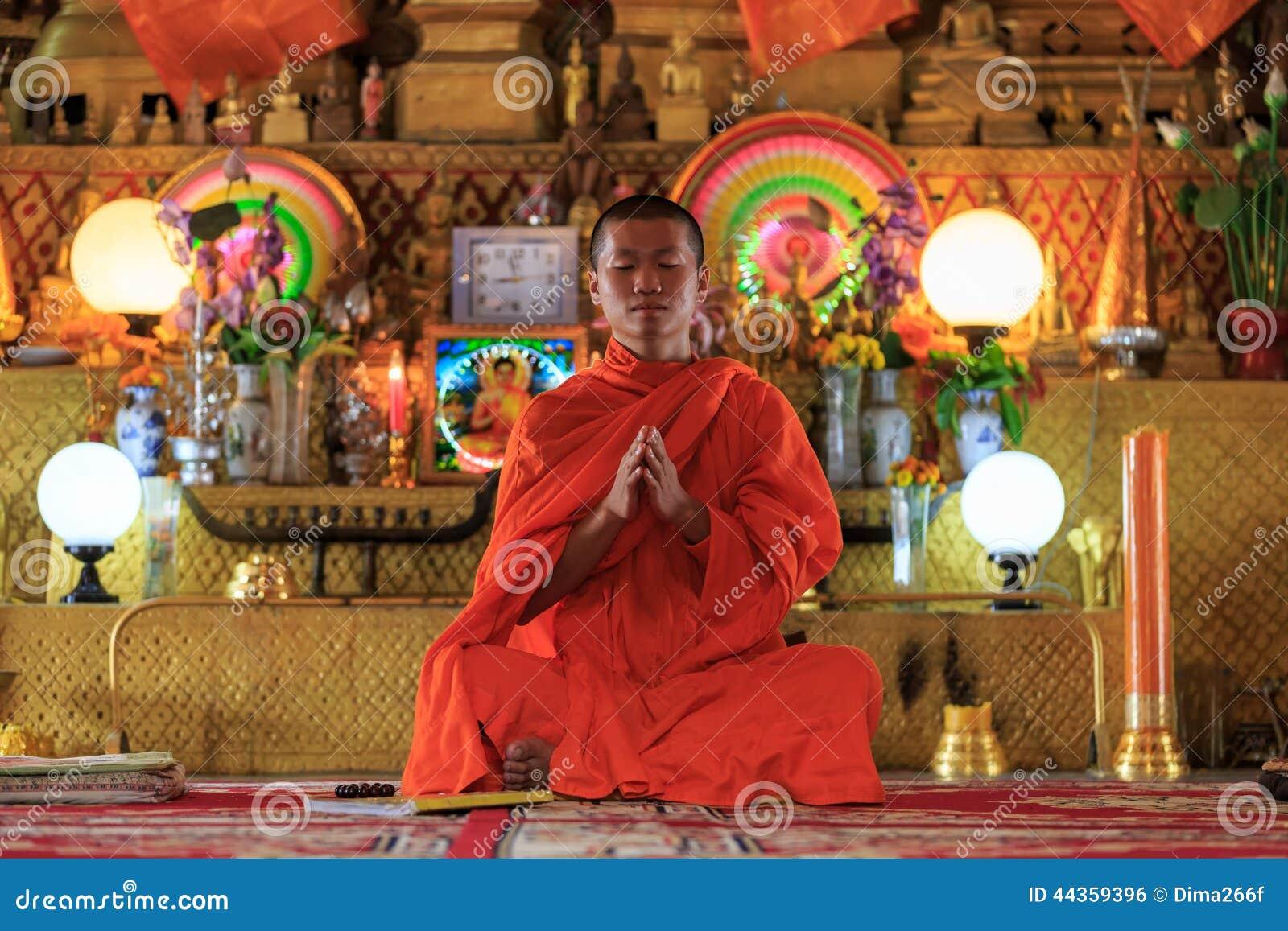 Pregare del monaco