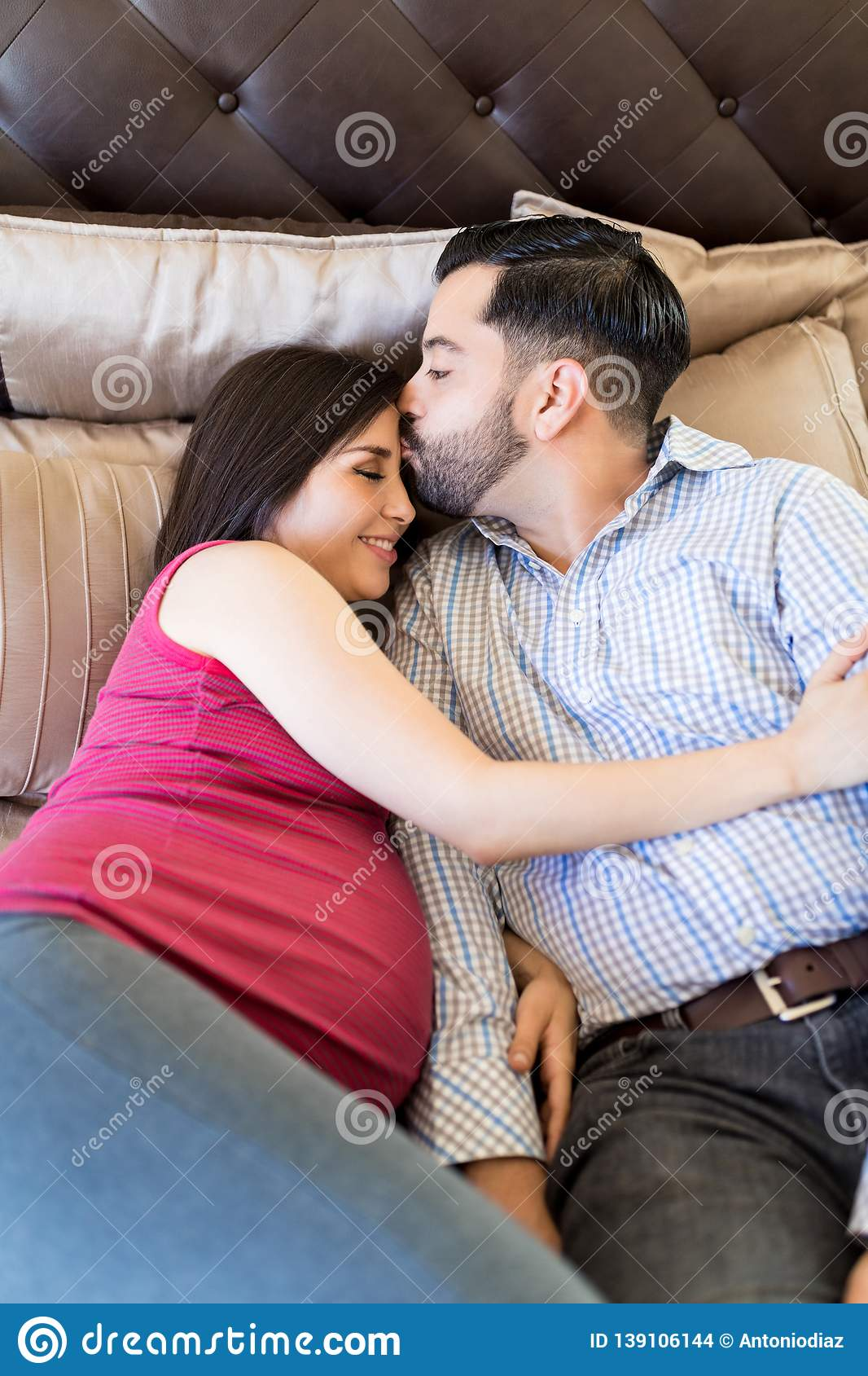 Good Night Kiss Couple Photos Free Royalty Free Stock Photos From Dreamstime