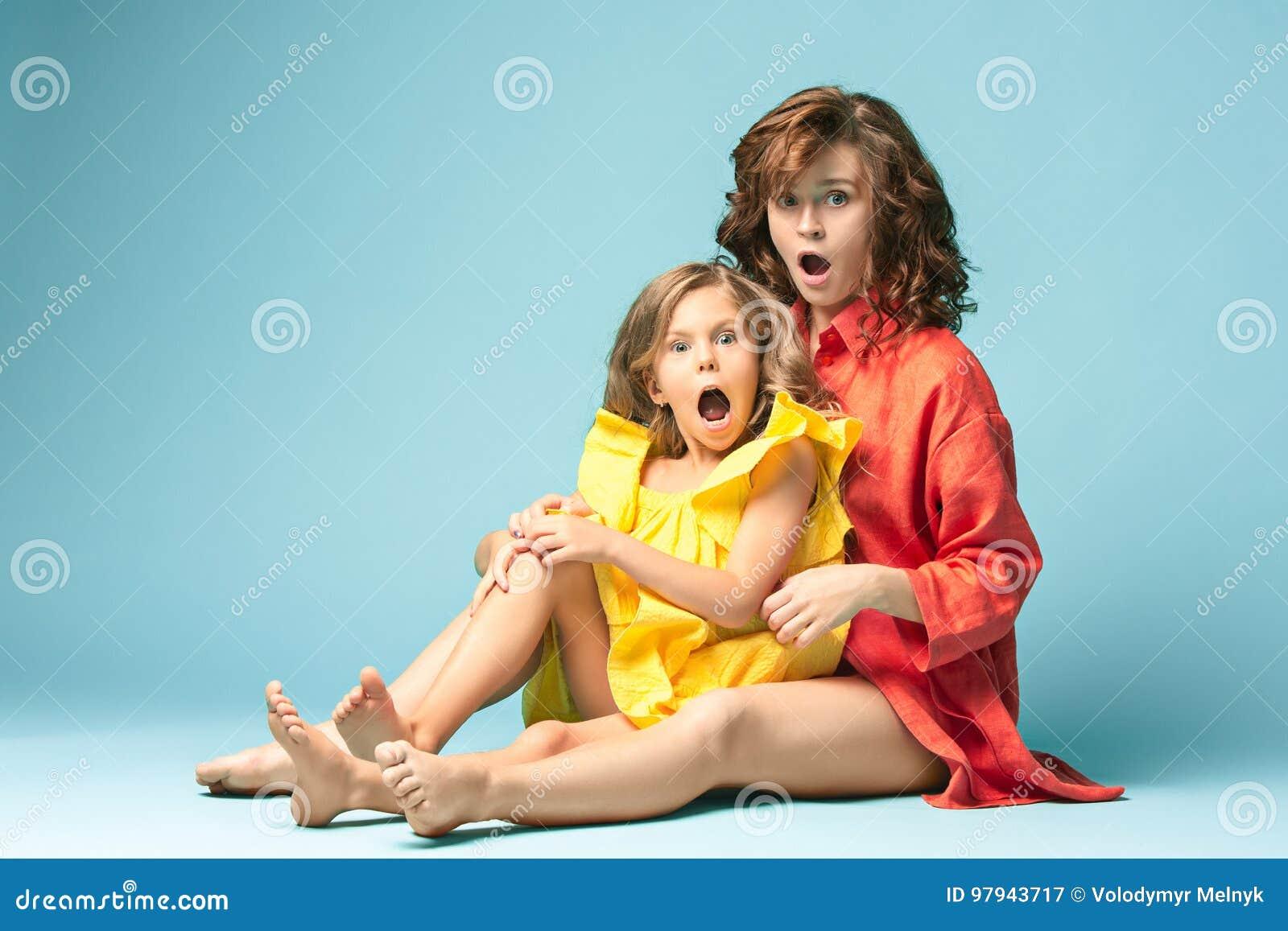 Boobs Nude Mom And Girl Gif