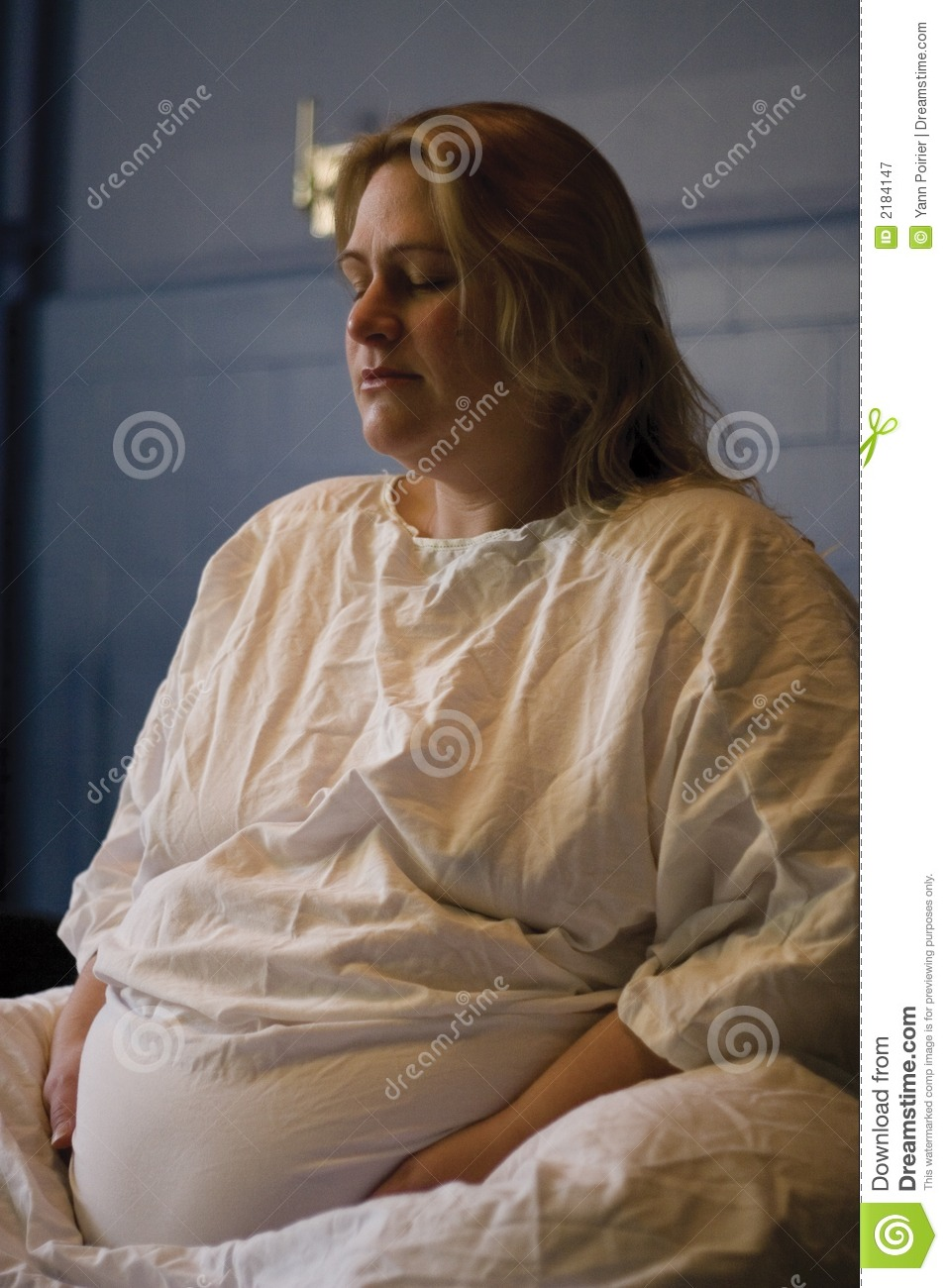 Royalty Free Stock Photography: Pregnant woman giving birth