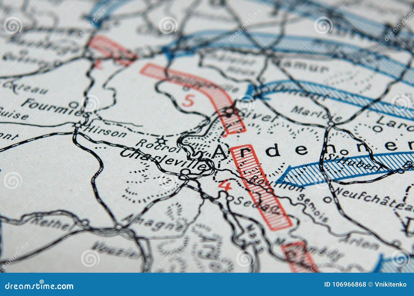 Première carte de guerre mondiale
