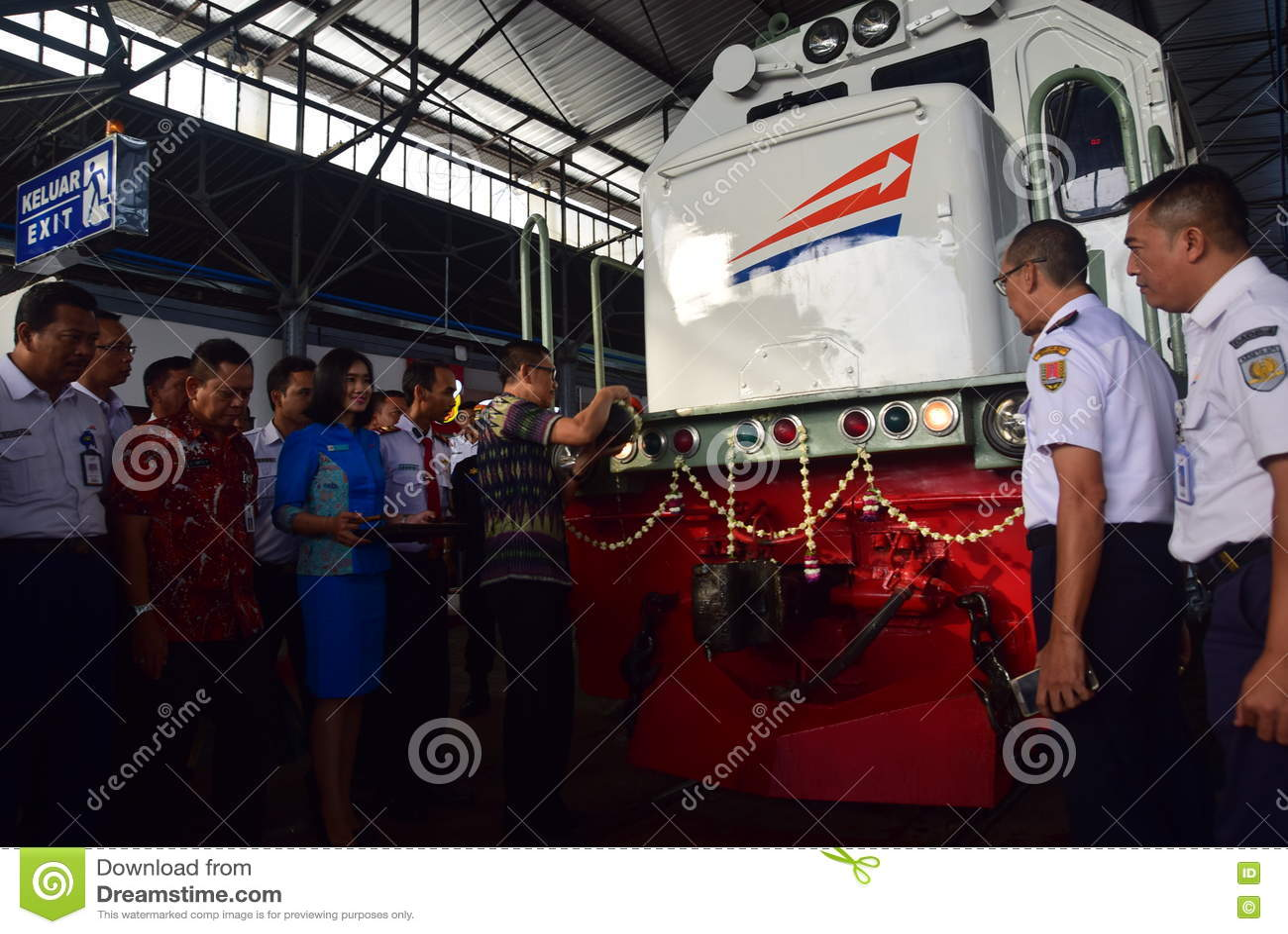 Premiera Ambarawa pociągu ekspresowego podróż