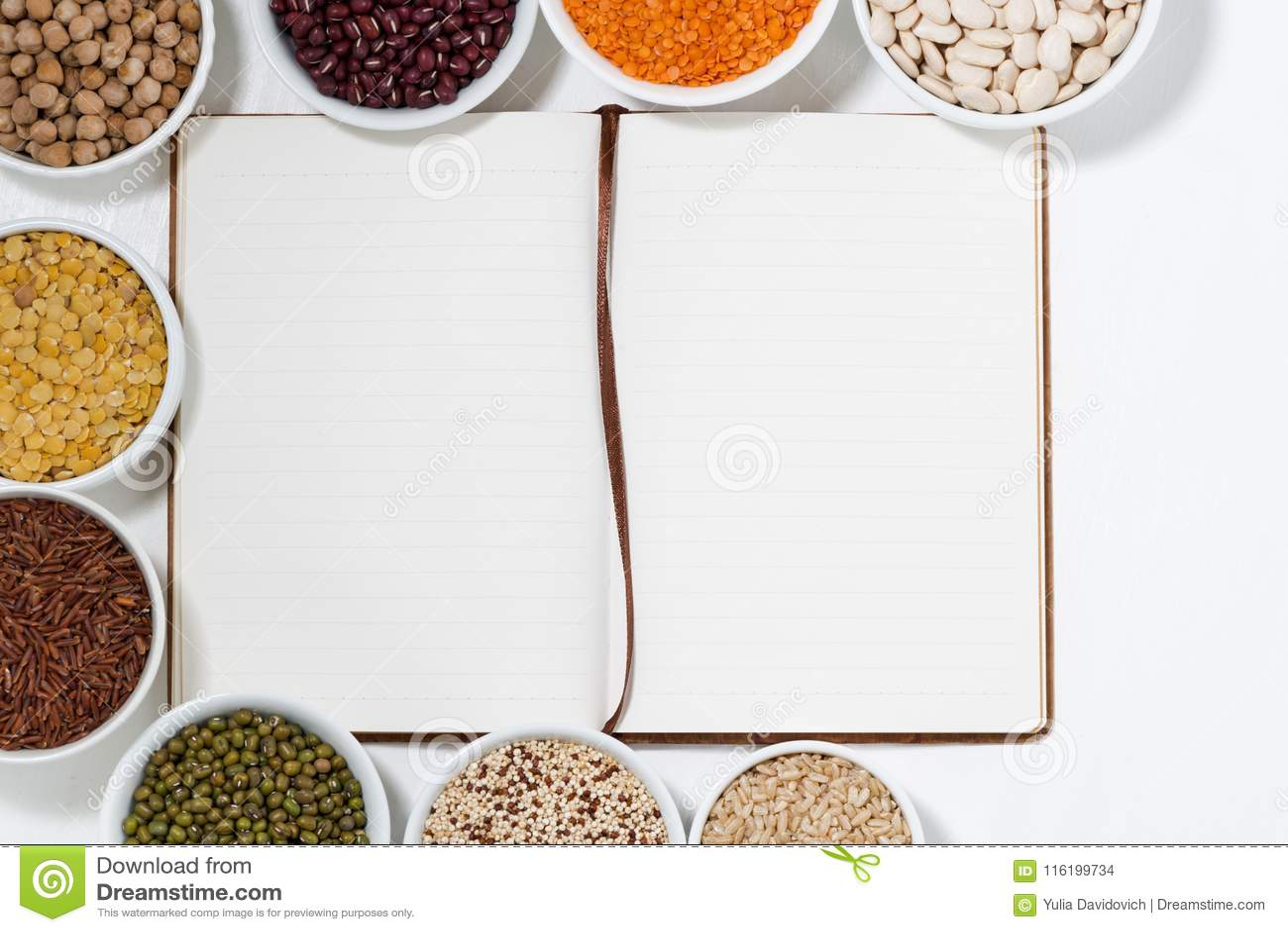 Prenoti per le ricette e l assortimento dei legumi, vista superiore