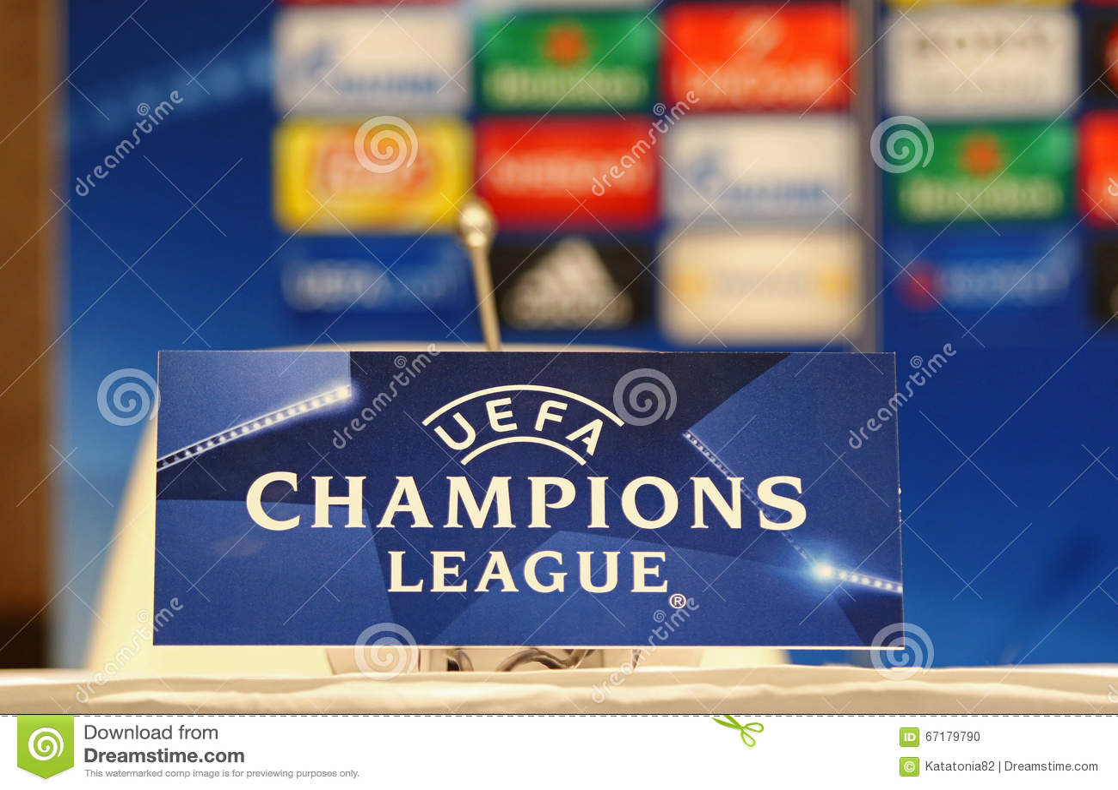 Prensa-conferencia antes del dínamo Kyiv v del juego de la liga de campeones de UEFA