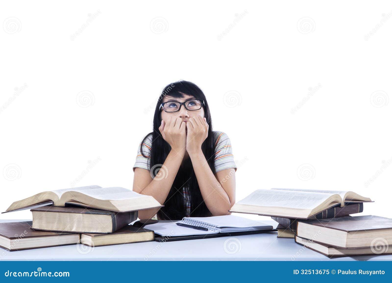 Preocupación asiática del estudiante - aislada