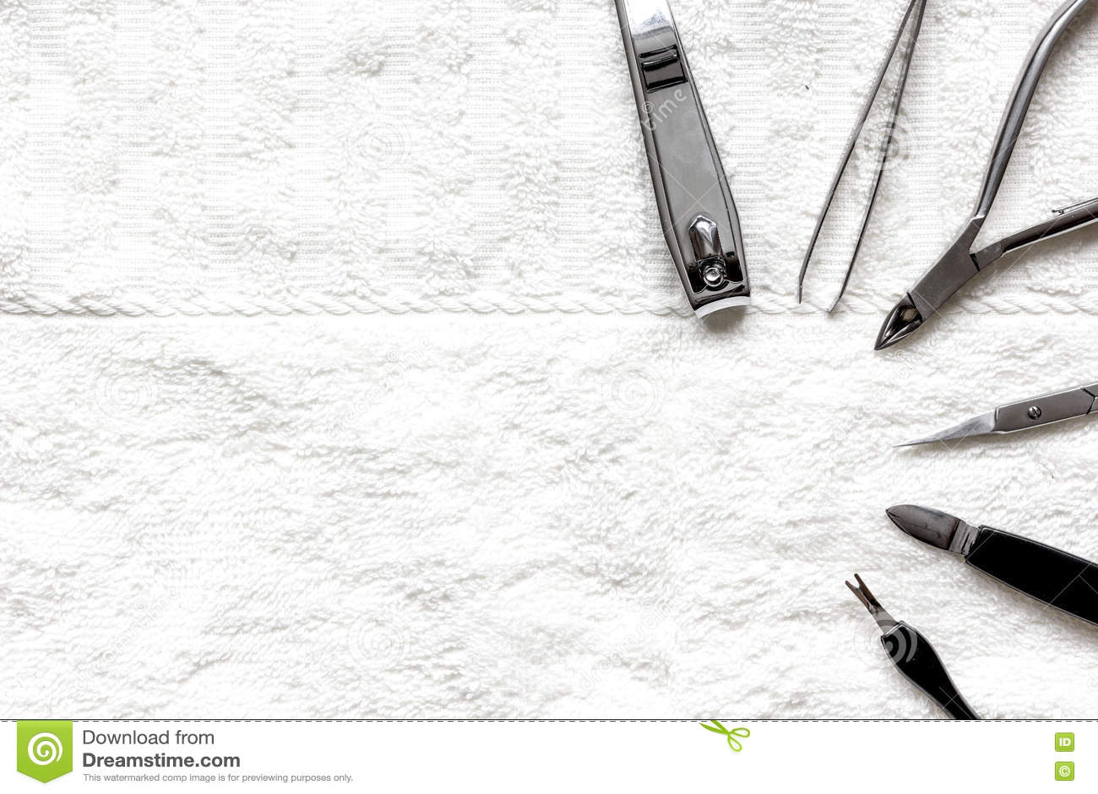 Preparação para o pedicure - ferramentas na opinião de tampo da mesa