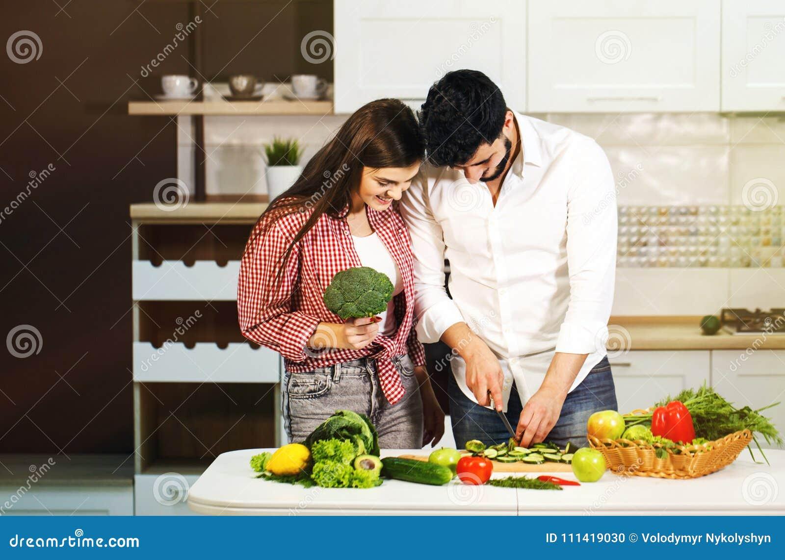 Preparación de la comida de los pares