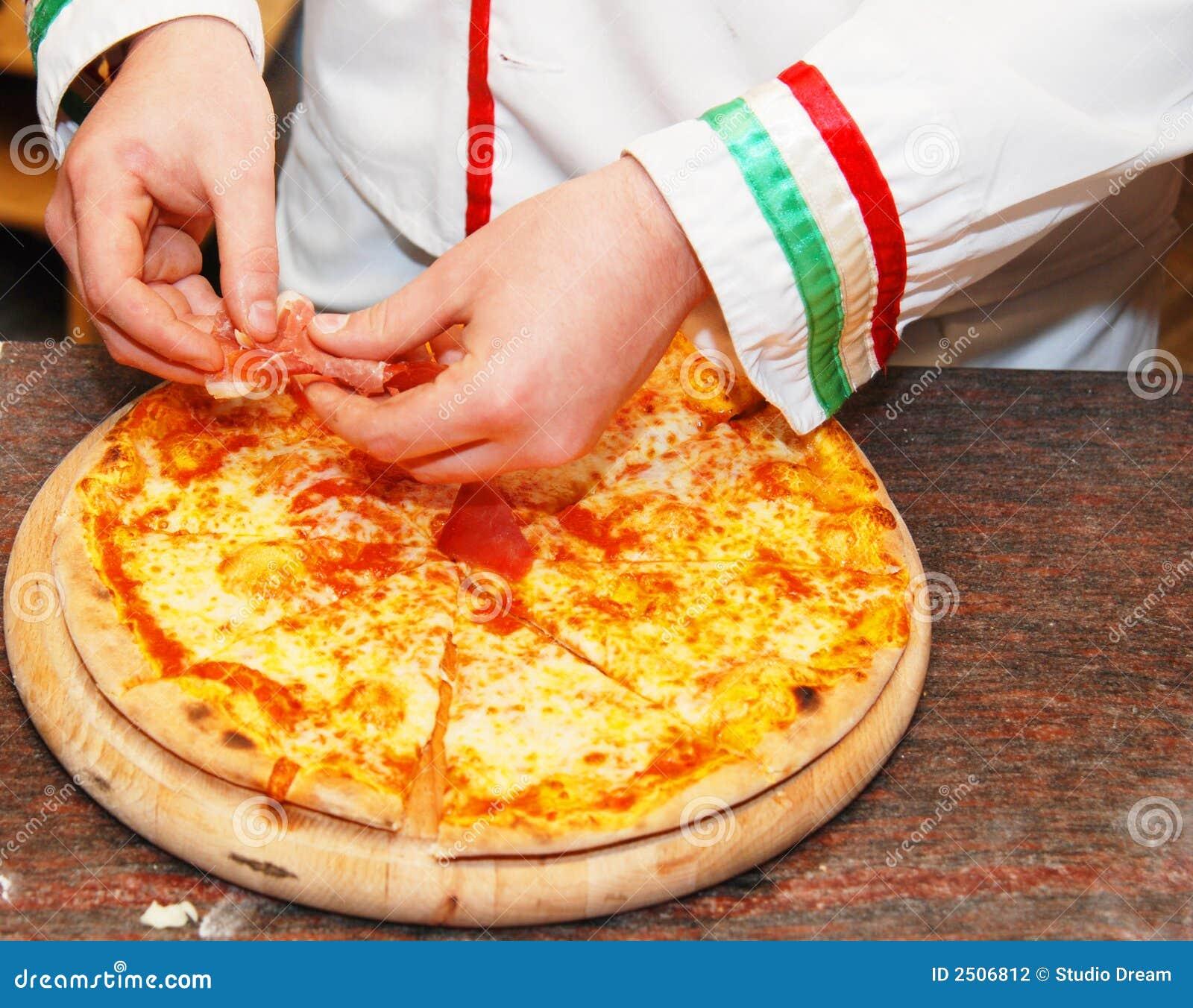 Preparación de la pizza