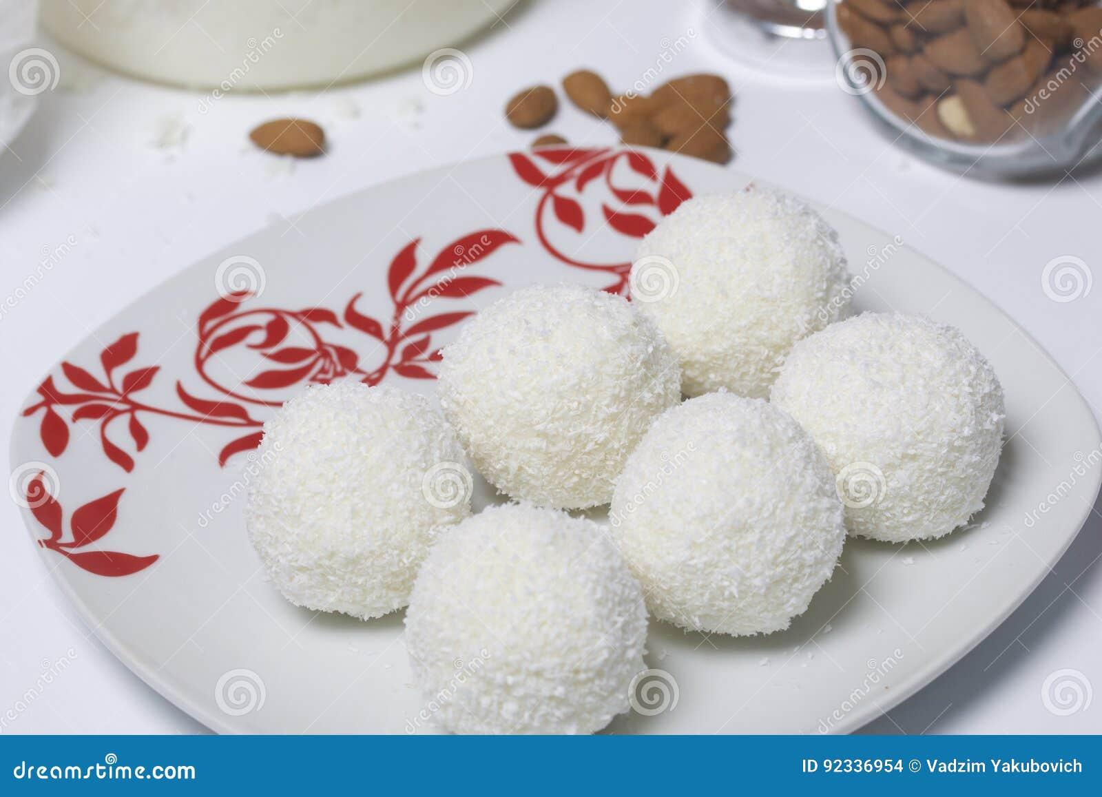 Raffaello sweets prepared at home