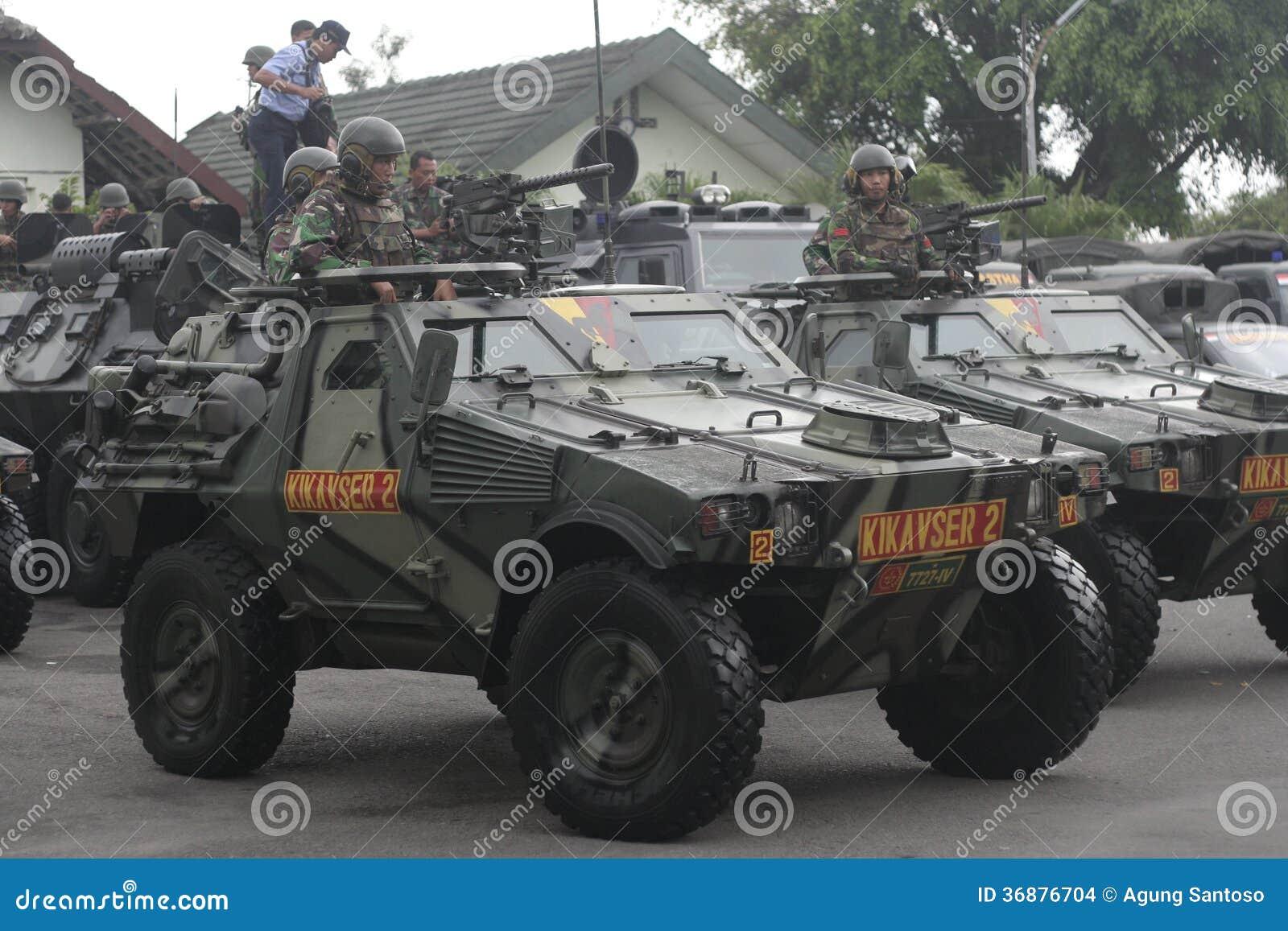 Download Preparazione Dell'esercito Nazionale Indonesiano Nella Città Di Java Security Solo E Centrale Immagine Stock Editoriale - Immagine di verde, berreto: 36876704