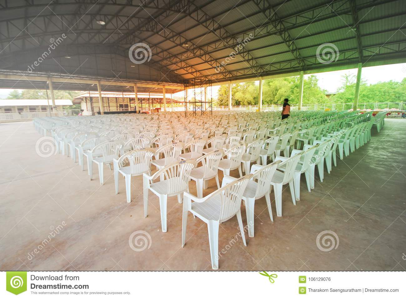 Prepare A Community Hall With The Placement Of The Chairs Style ...