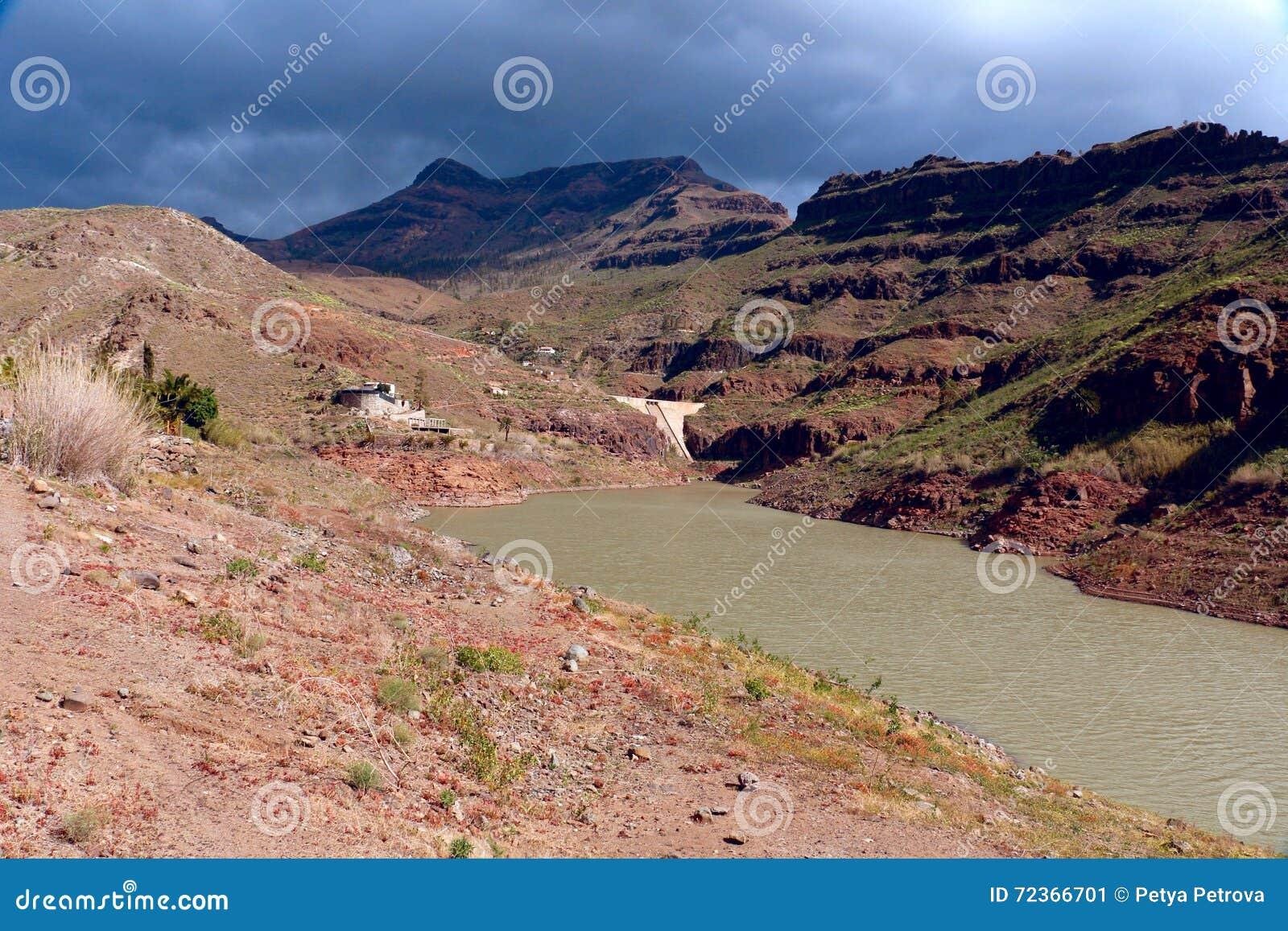 Presa de Ayagaures水坝,大加那利岛