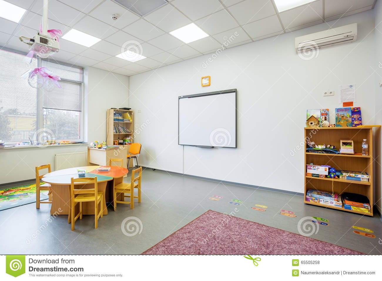 Modern Kindergarten Classroom ~ Preschool class englishl of the academy modern