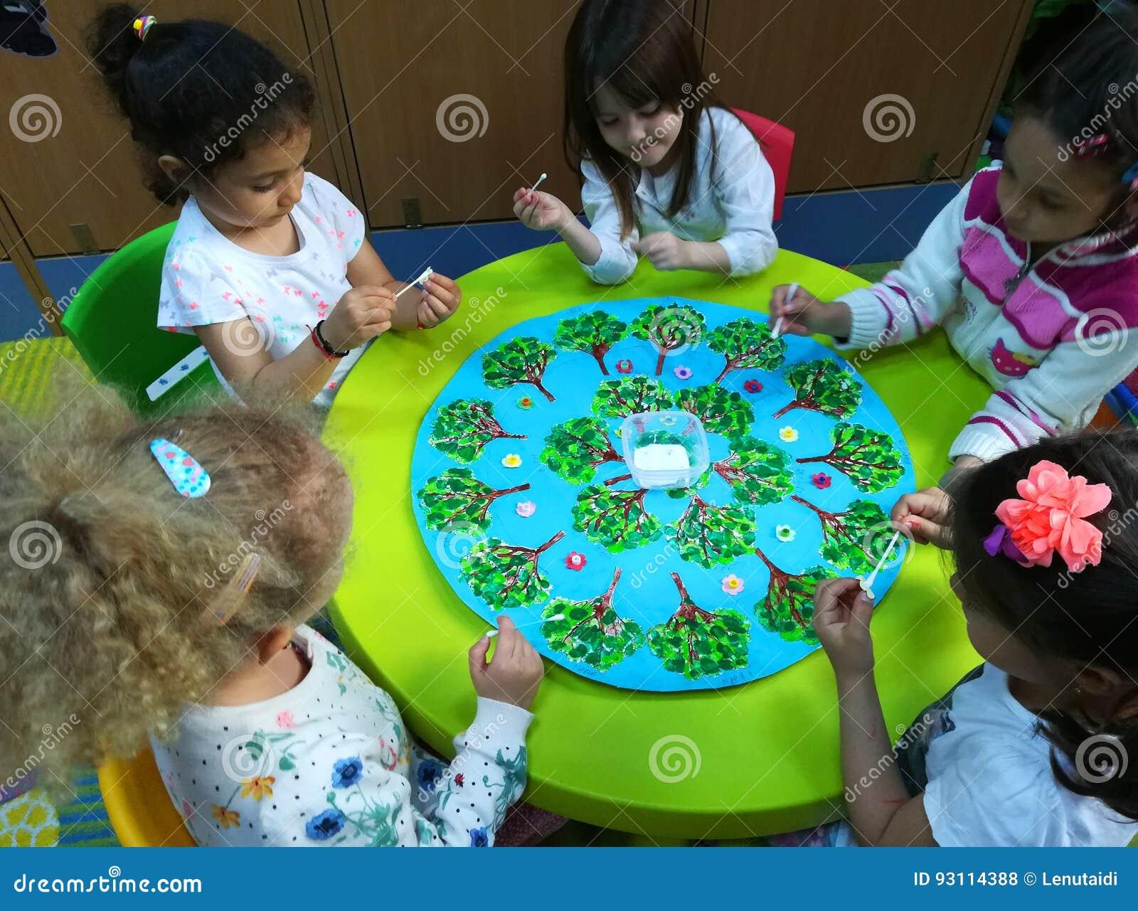 Preschool dzieci przy aktywność