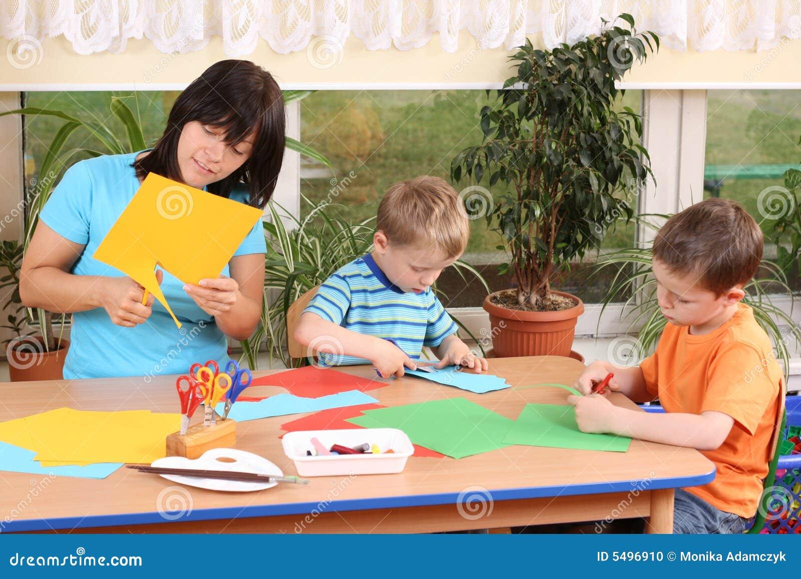 Preschoolers e habilidades manuais