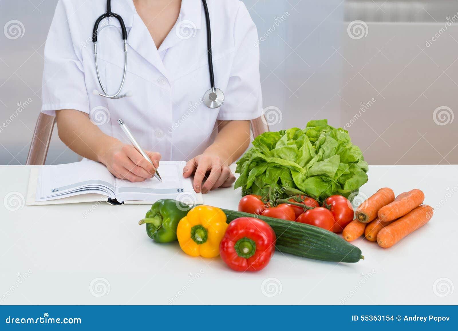 Prescrizione femminile di scrittura del dietista