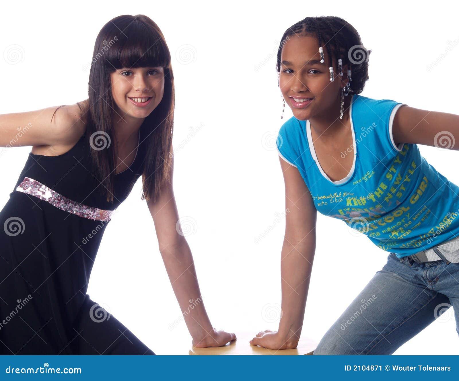 Presentación linda de 2 muchachas
