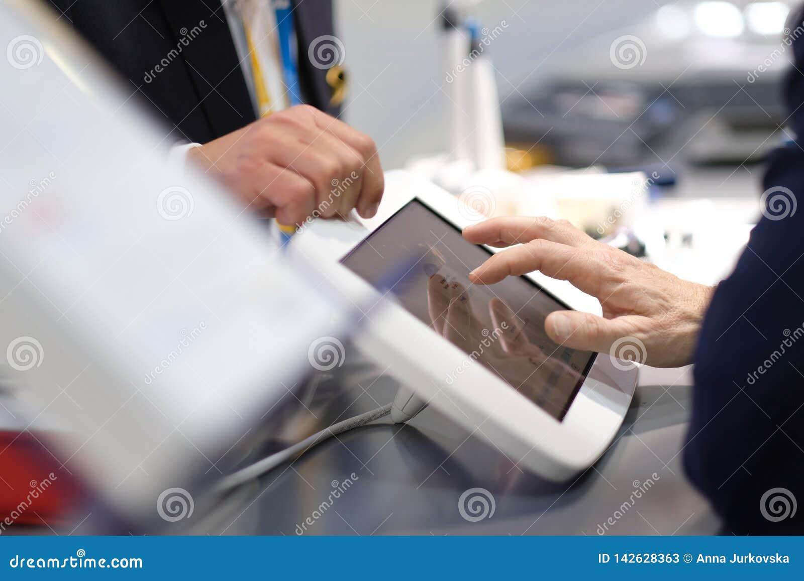 Presentatie van de mogelijkheden van medische apparatuur