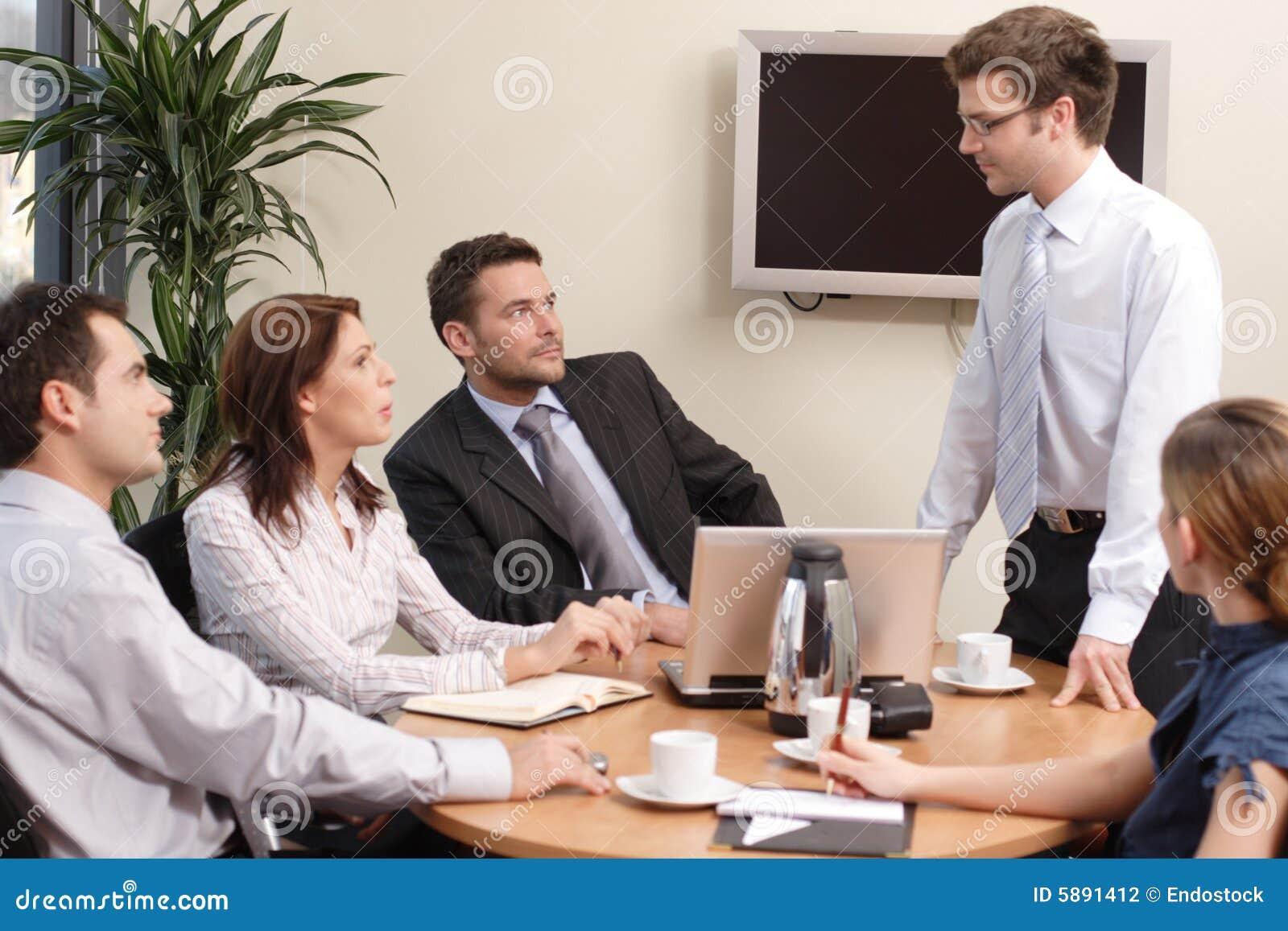 Presentatie, vijf mensen