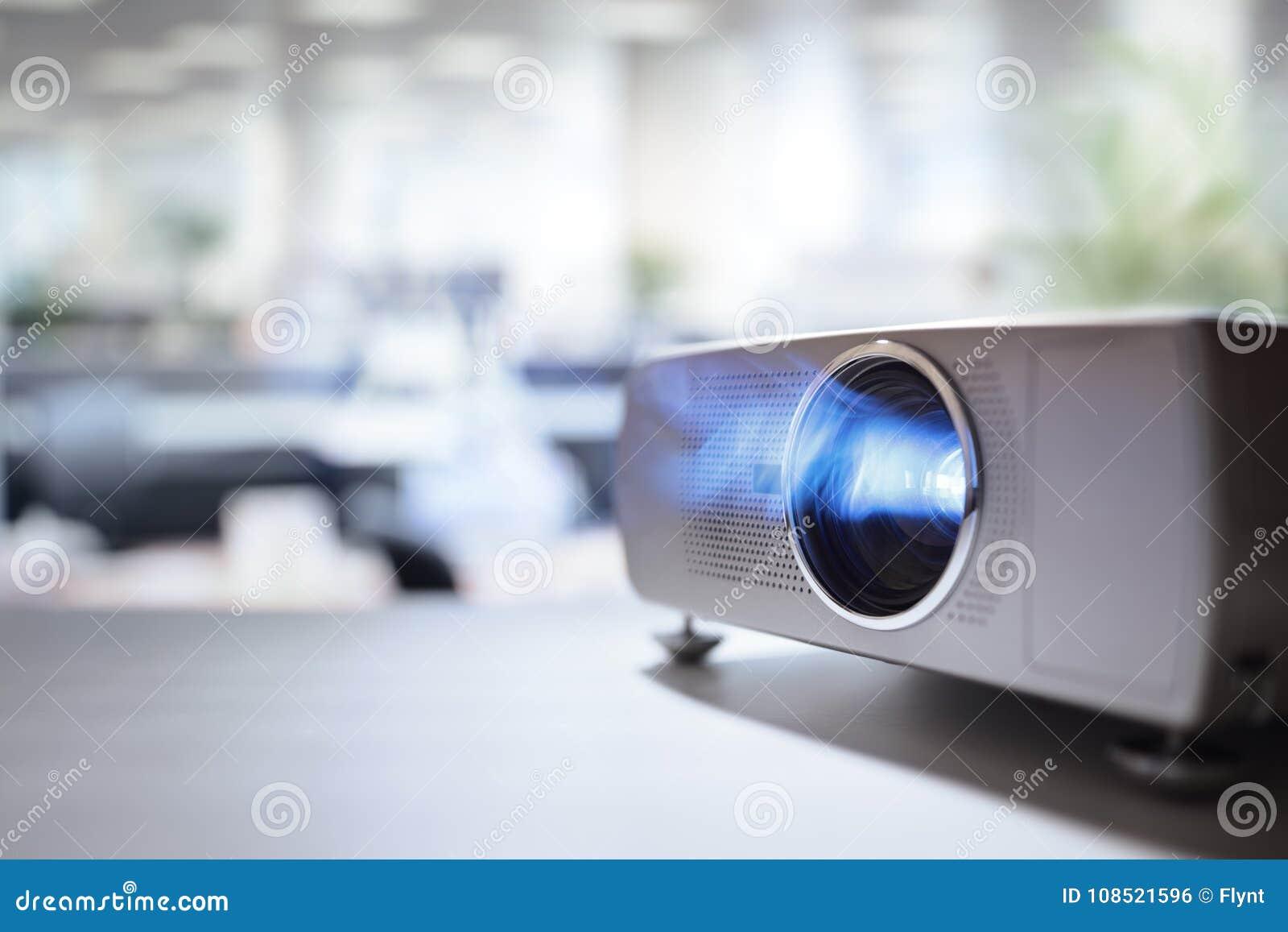 Presentation med den videopd projektorn för lcd i regeringsställning