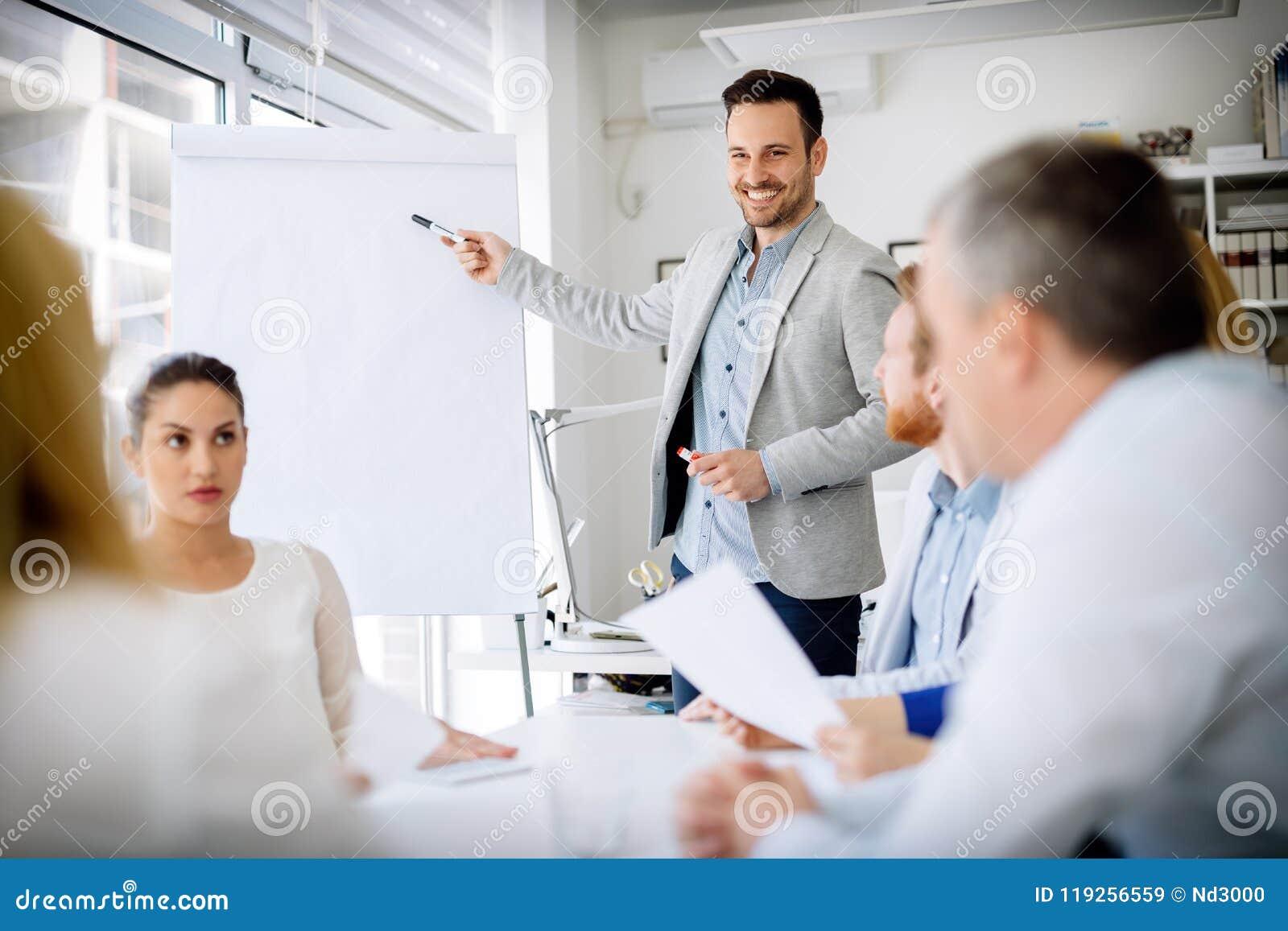 Presentation och samarbete av affärsfolk