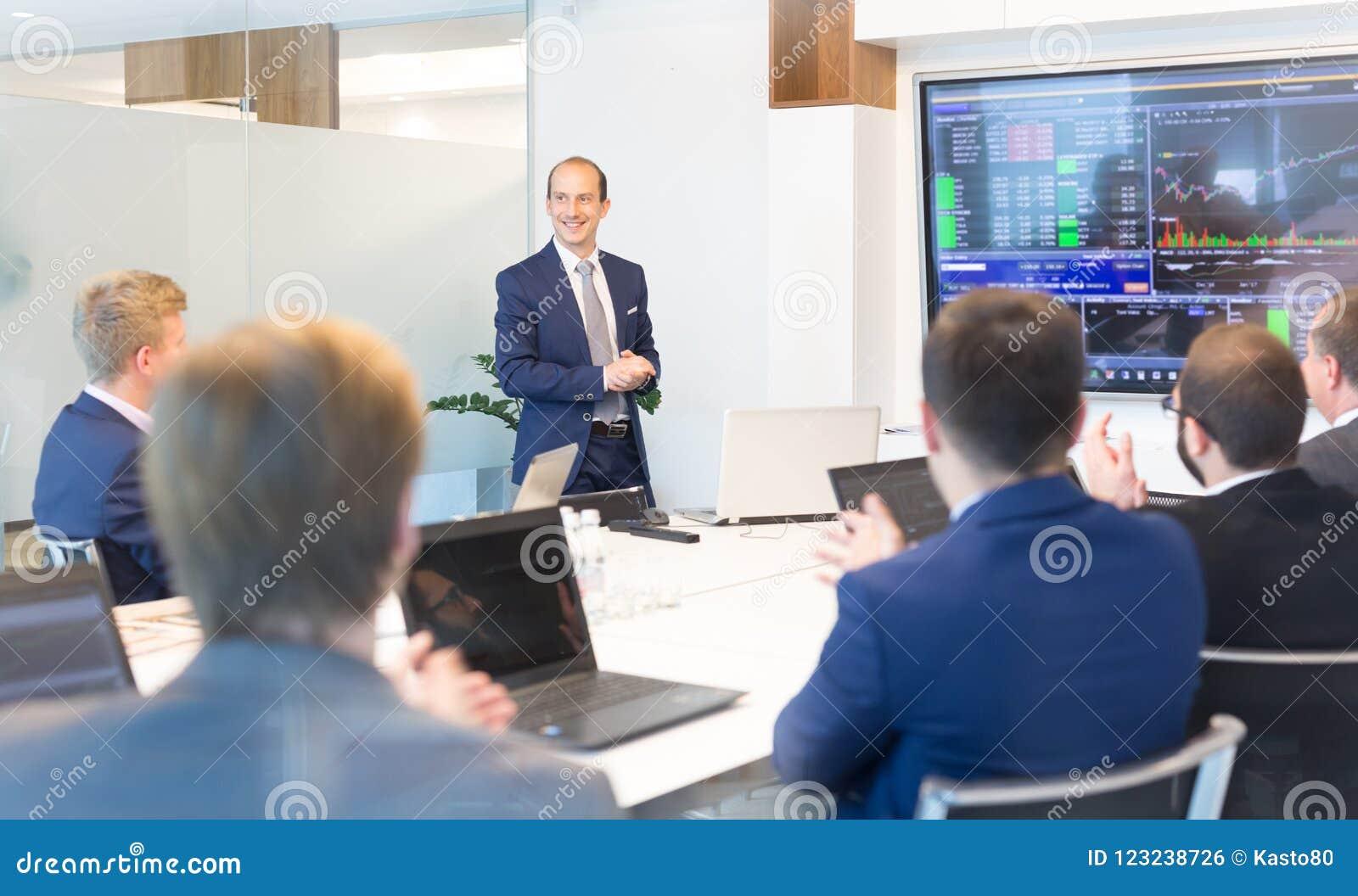 Presentazione di affari sulla riunione corporativa Concetto di affari corporativi