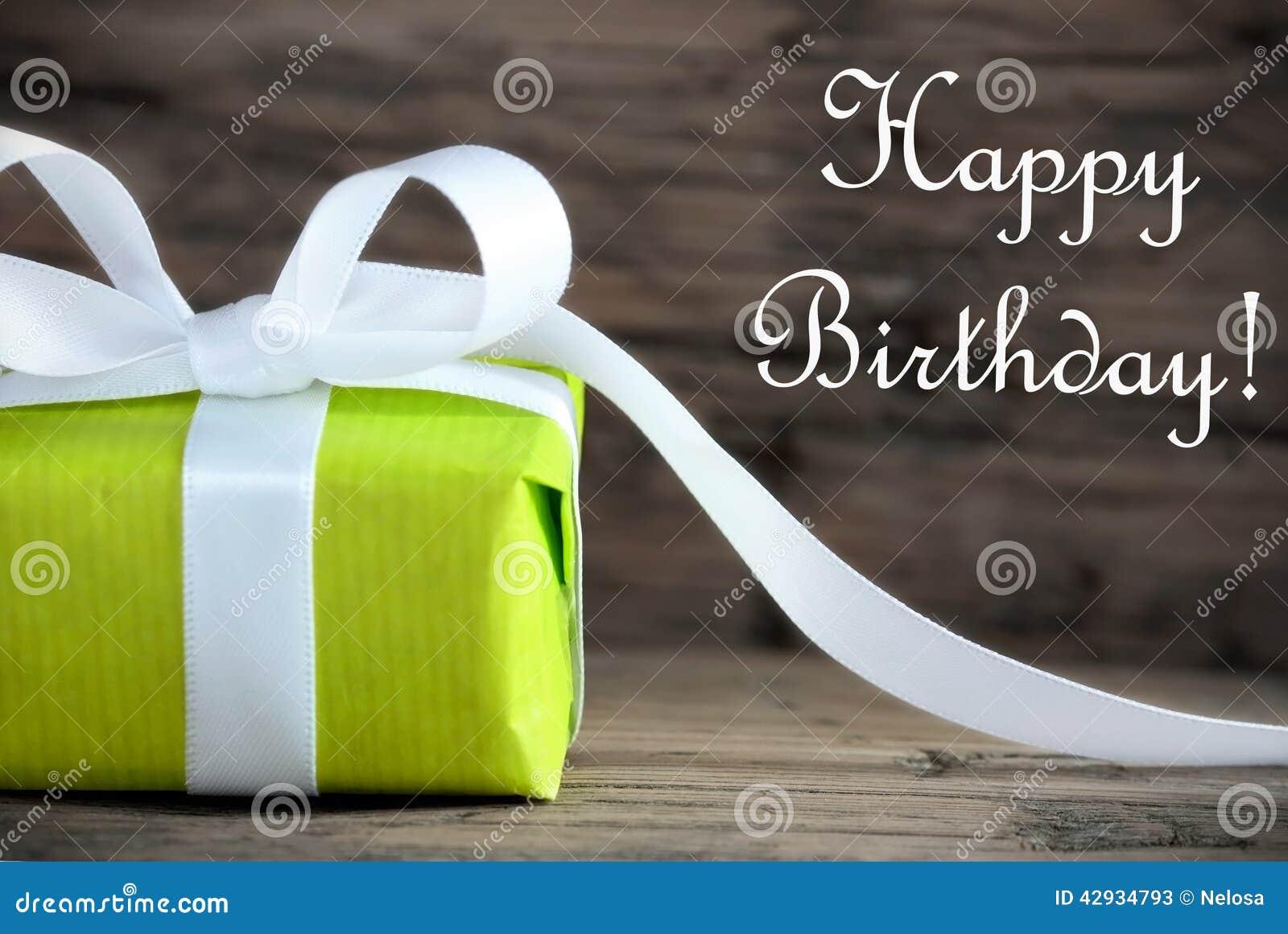 Presente verde com feliz aniversario