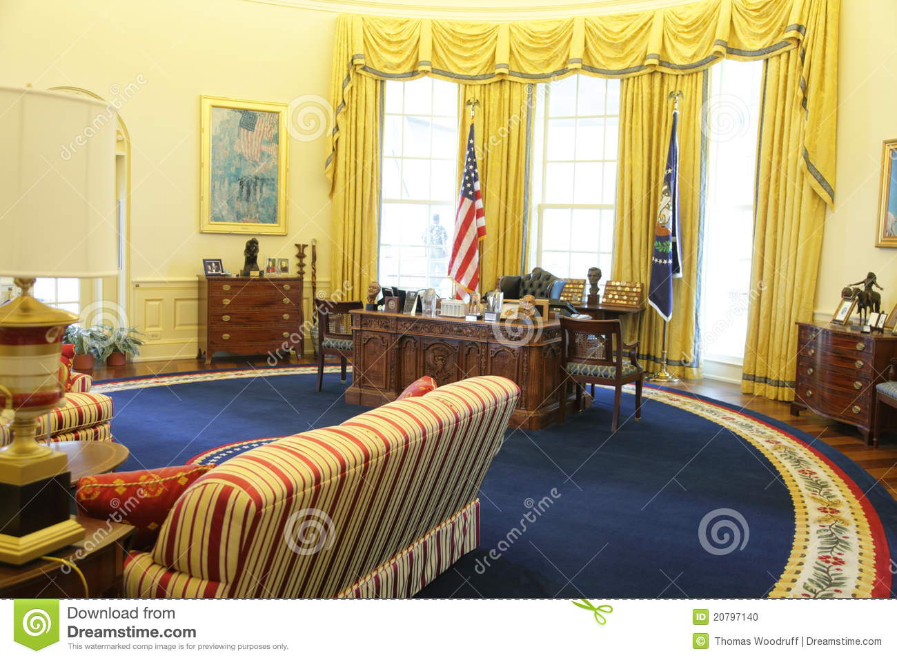 President Clinton's Oval Office Editorial Image - Image ...