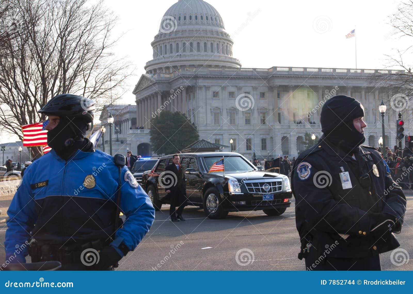 Presidentiële Limousine en het Capitool van de V.S.