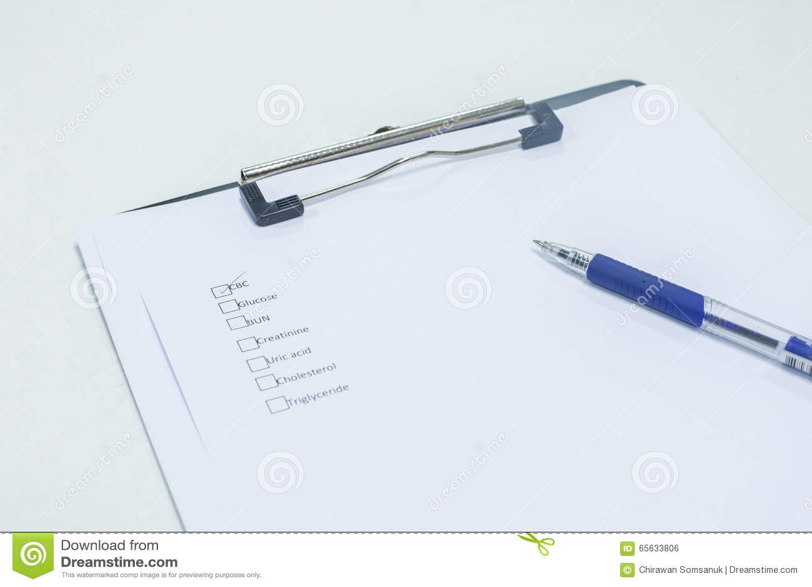 Presse-papiers, stylo
