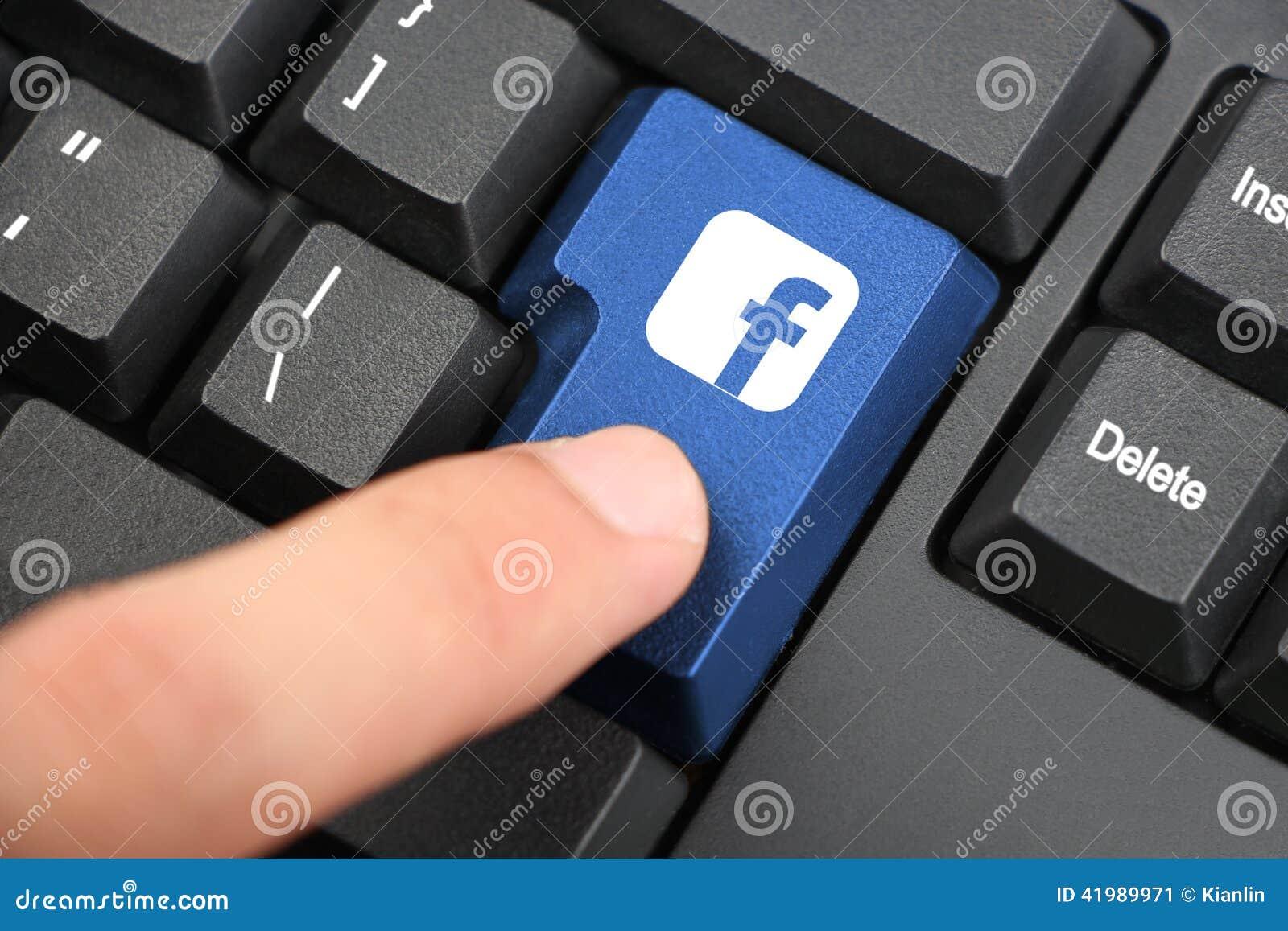 Pressione a chave de Facebook