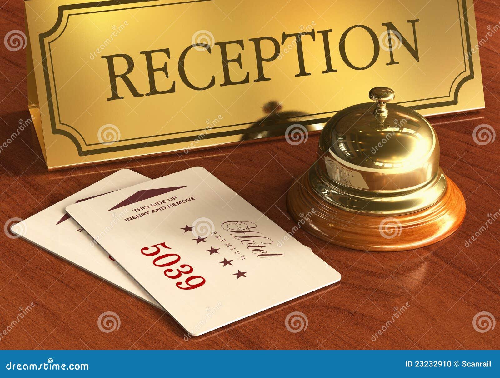 Preste serviços de manutenção ao sino e aos cardkeys na mesa de recepção do hotel