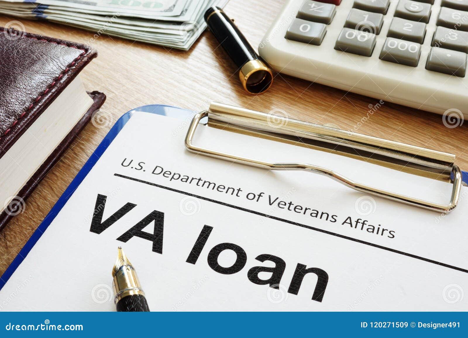 Prestito U di VA S Dipartimento della forma di affari di veterani con la lavagna per appunti