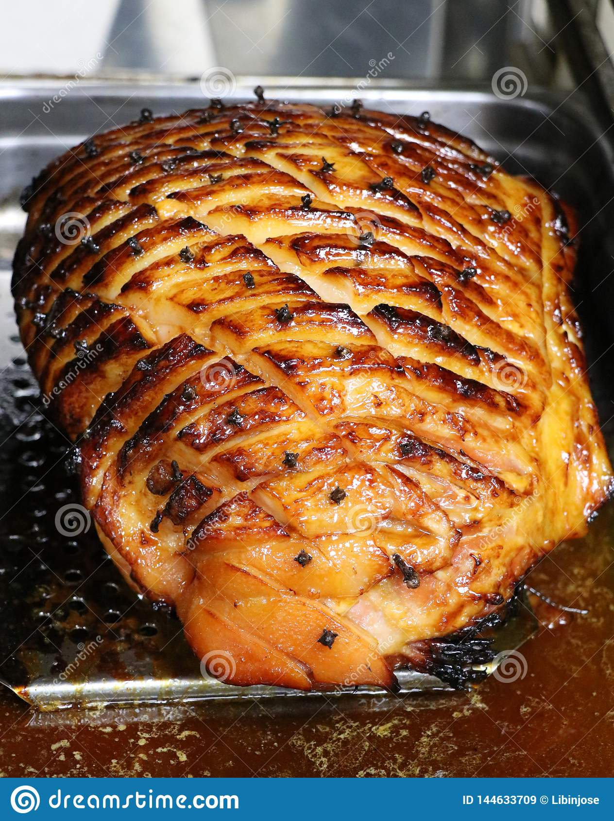 Presunto defumado roasted lento no forno