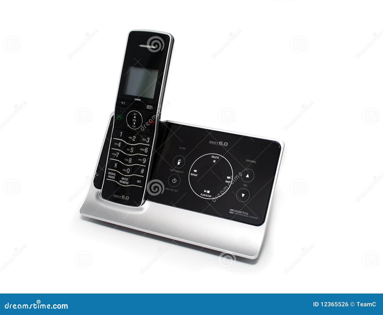 Preto isolado e telefone sem corda de prata