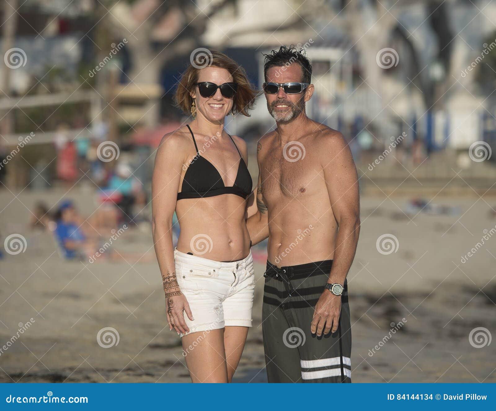Pretpaar op het strand