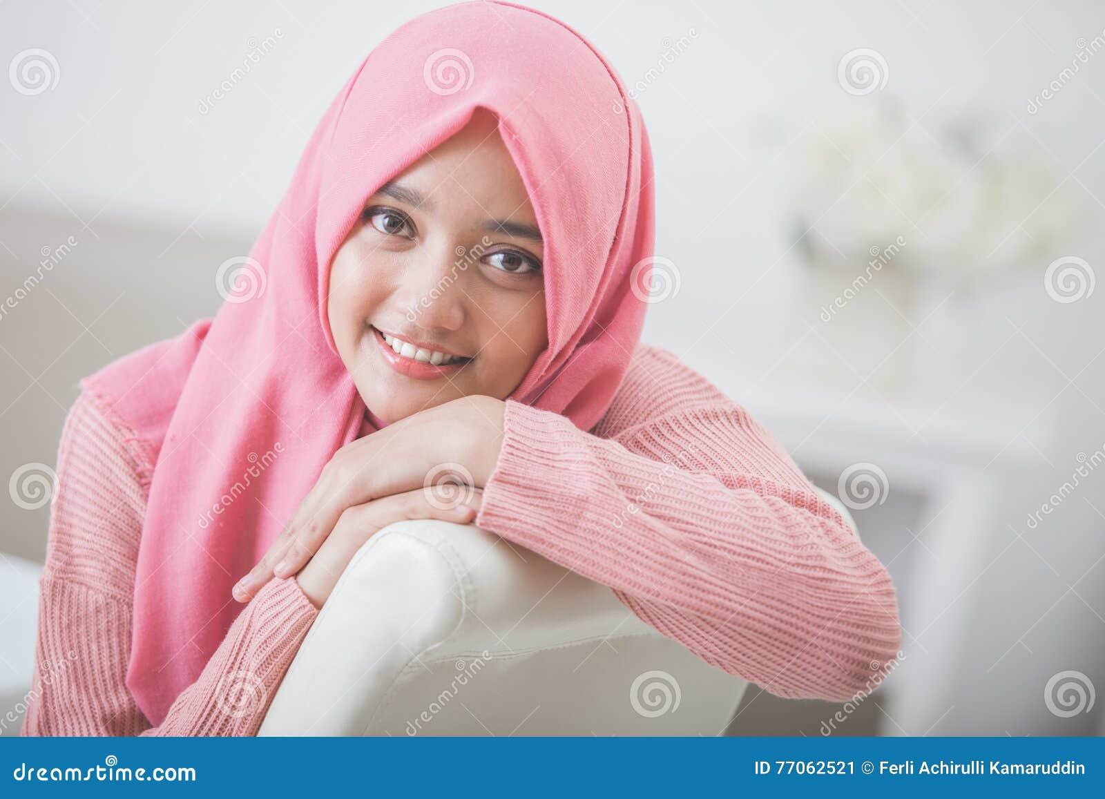 Pretty Asian Woman Wearing Hijab Stock Image - Image Of Beautiful, Female 77062521-5074