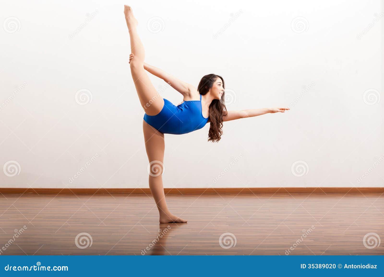 Damn amateur ballet dancer practicing fucking love