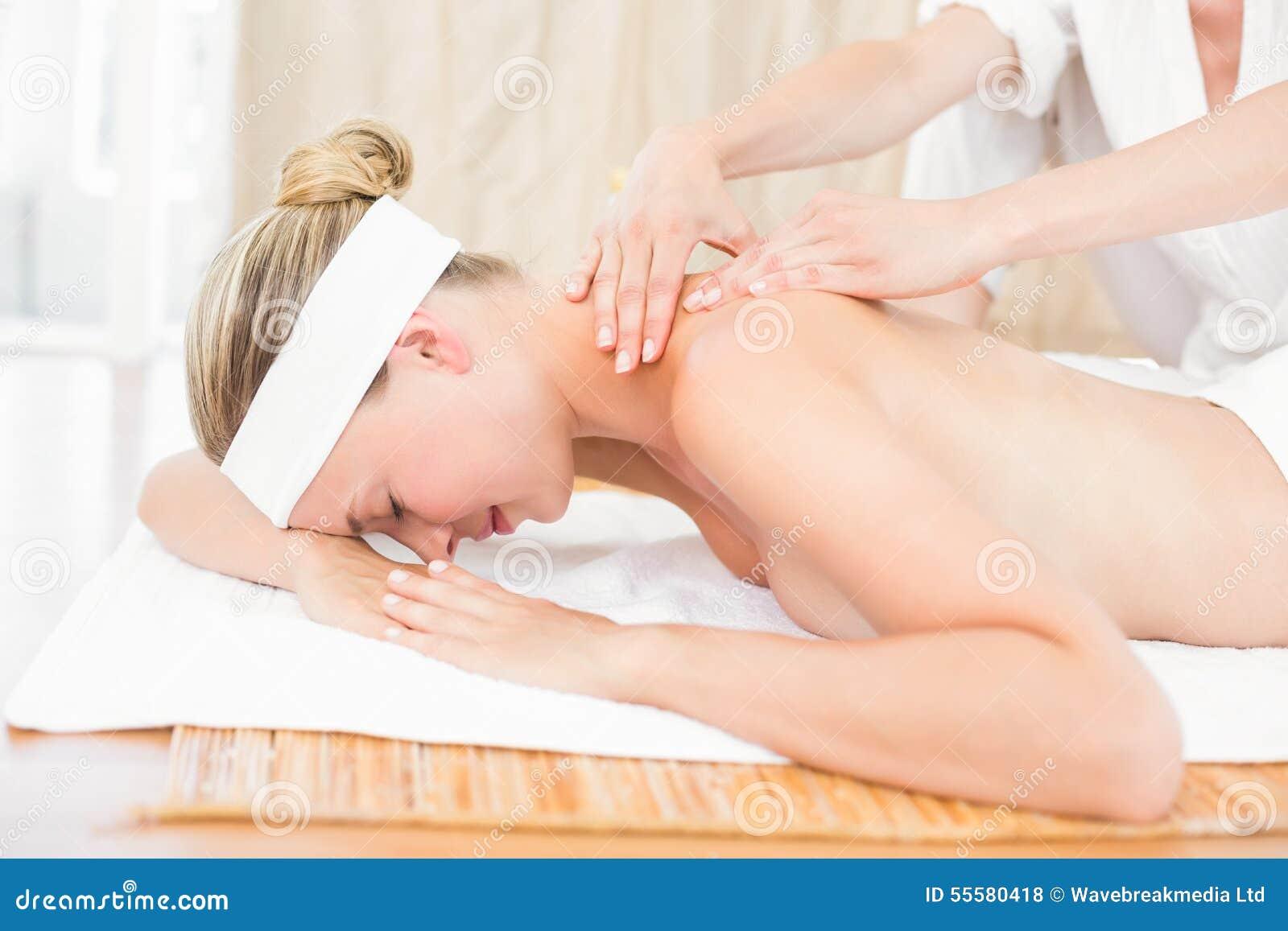 секс во время массажа с блондинкой - 11
