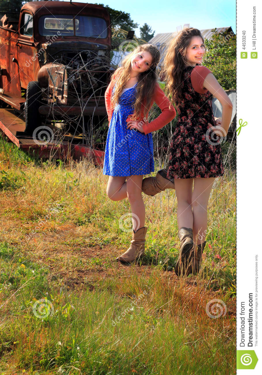 Pretty Country Girls With Brown Hair Pretty Dancing Country...
