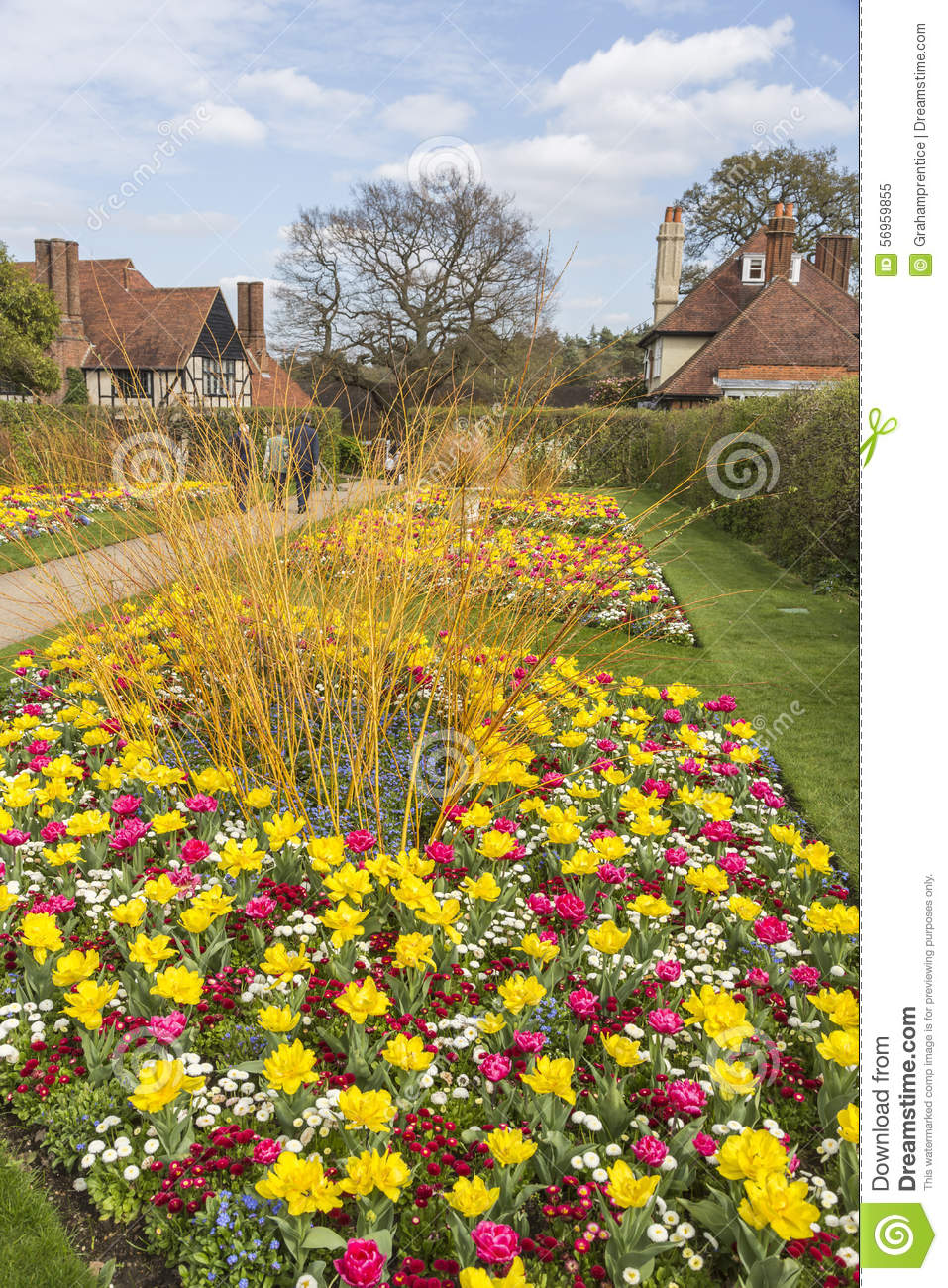 Flower bed bordersst flower bed edging ideas for your home pretty flower borders at rhs gardens wisley surrey stock mightylinksfo