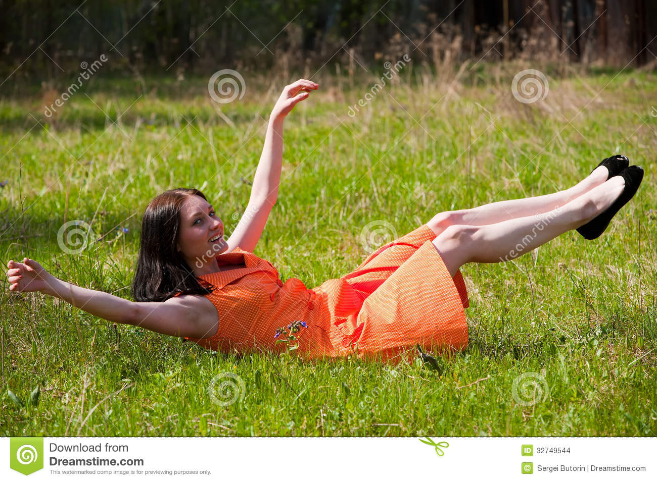 Pretty girl laying on grass stock photo image 32749544 for Pretty grass