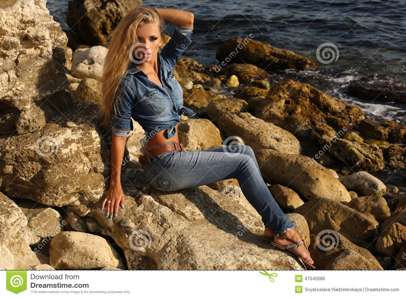 Hair Style Jeans: Pretty Girl With Long Blond Hair In Jeans Clothes Posing