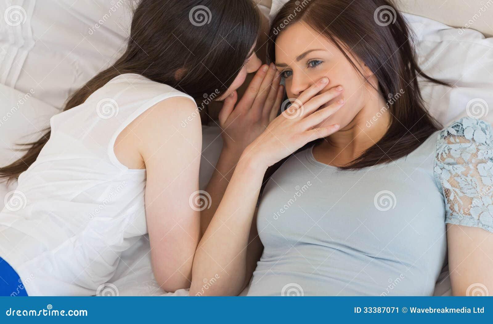 Фото две подружки в сперме, Фото сочных дырок подруги в сперме - Частные фото 23 фотография