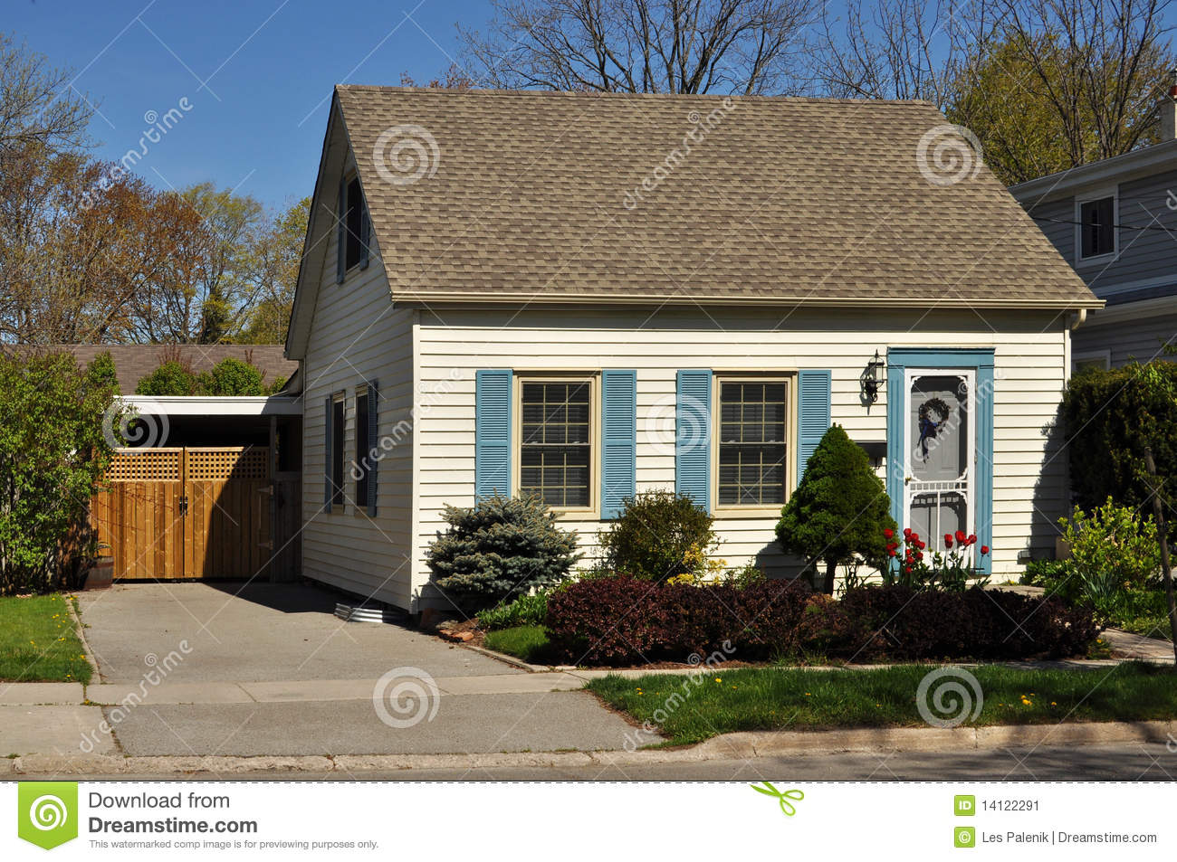 Pretty little house stock image image 14122291 for Pretty small houses